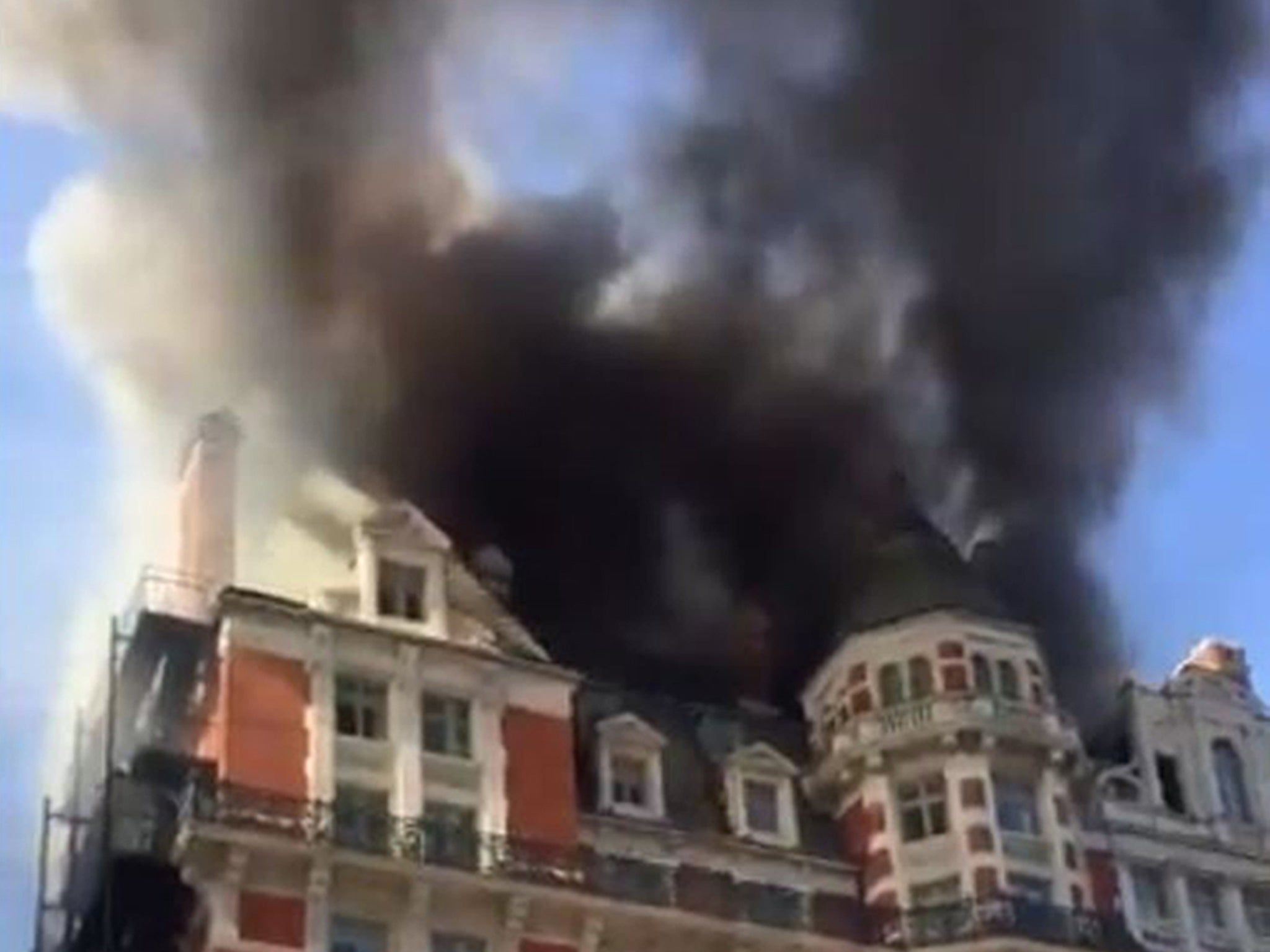 London hotel fire: Huge blaze tackled at Mandarin Oriental Hotel in Knightsbridge | The Independentindependent_brand_ident_LOGOUntitled