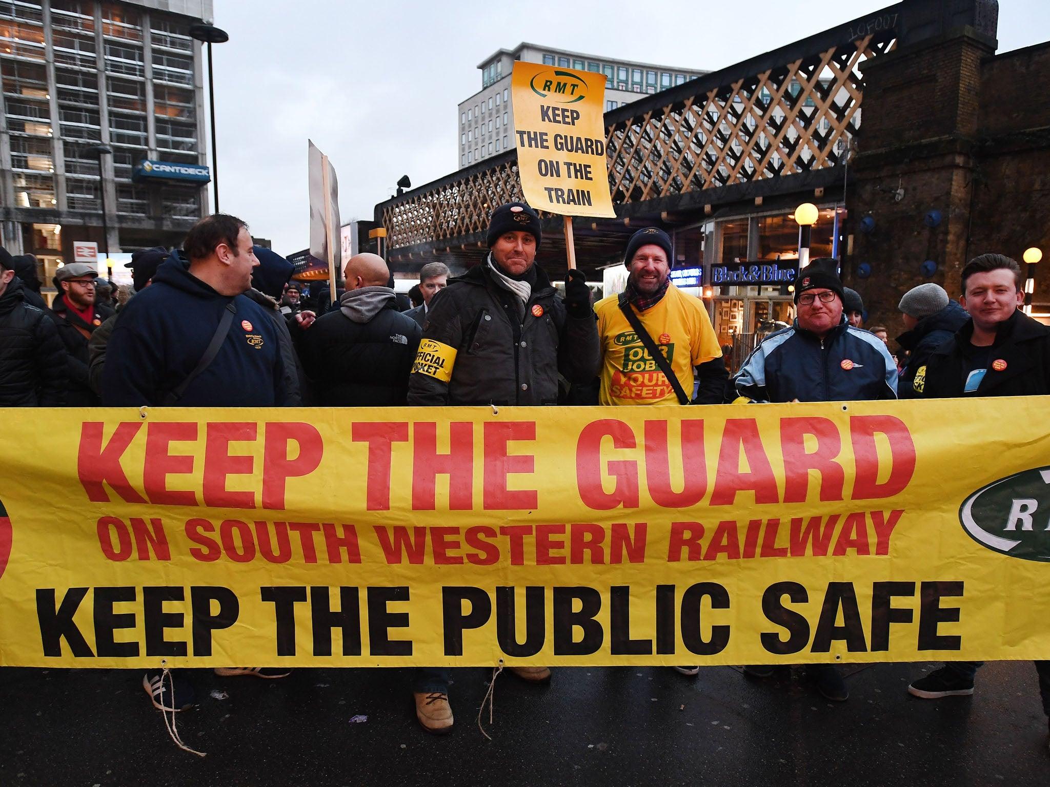 Huelga del ferrocarril del Suroeste: el caos de los trenes de Navidad cuando el sindicato de RMT anuncia una huelga el 22 de diciembre