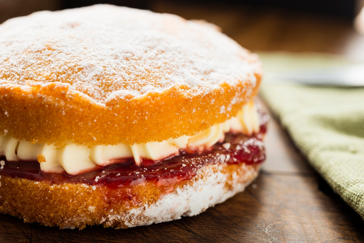 Mary Berry reveals she no longer follows traditional Victoria Sponge baking method 1