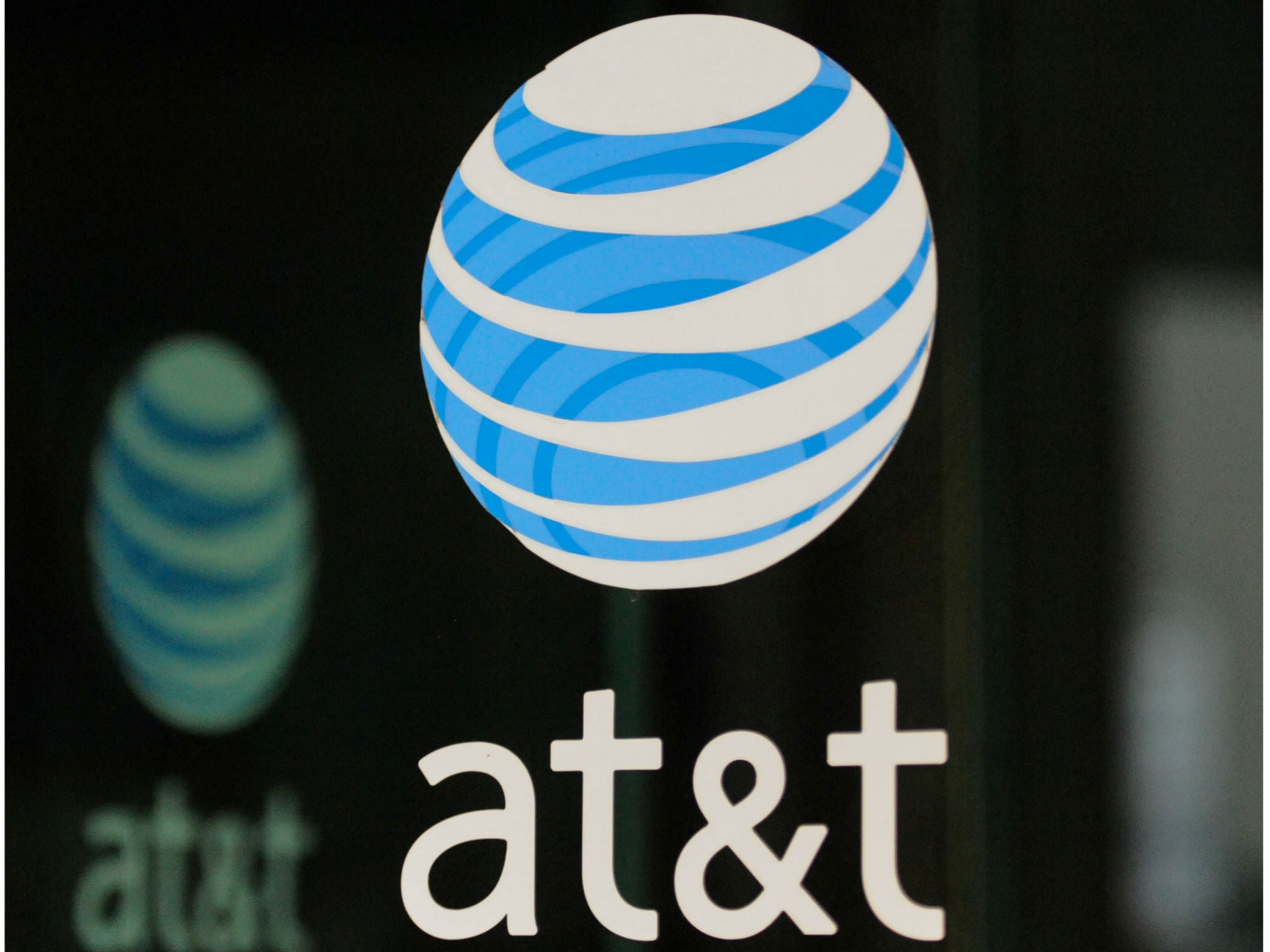 Judge approves AT&T's $85bn Time Warner takeover in defeat for US government and despite Donald Trump criticism