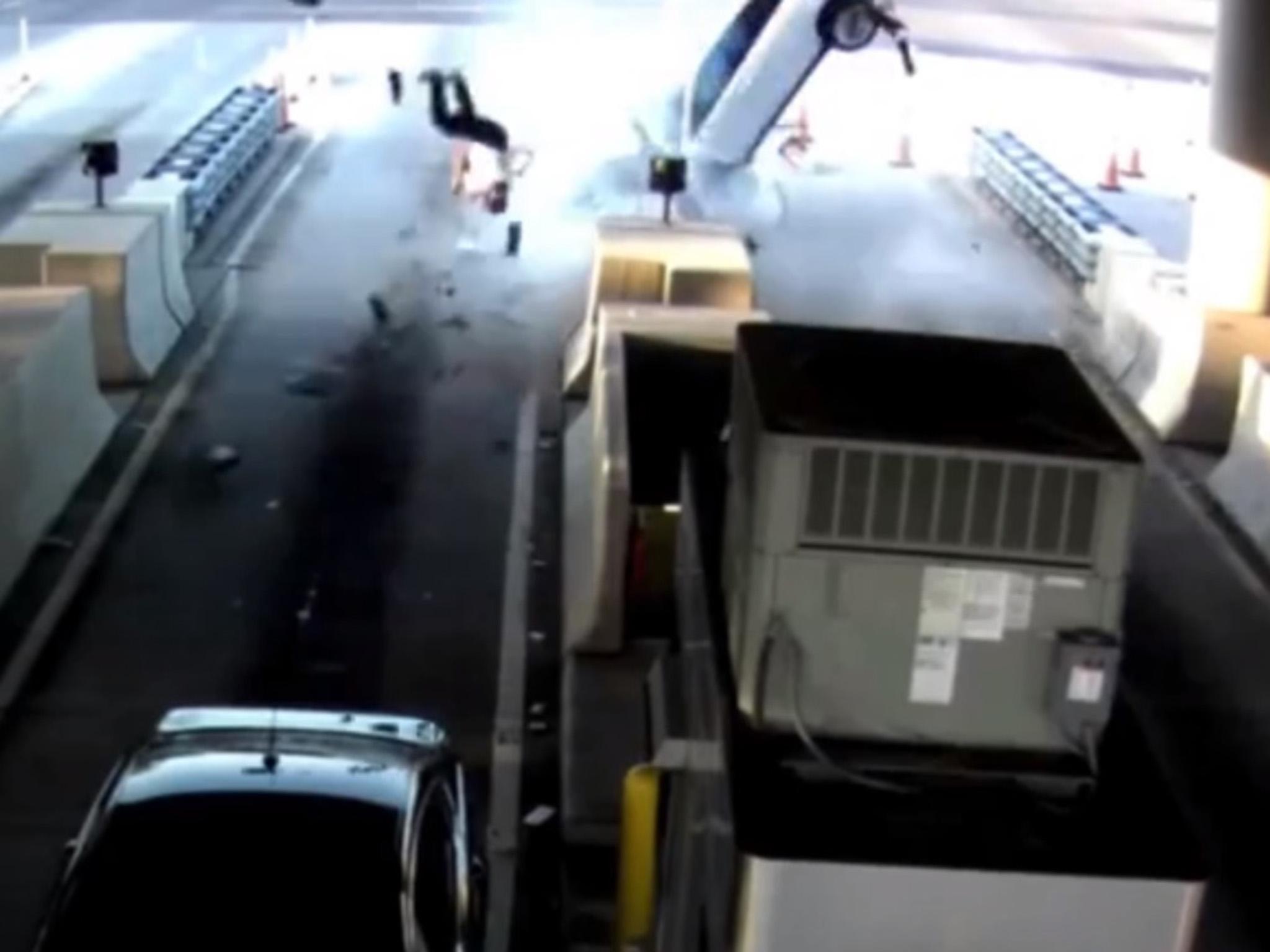 Man thrown through windscreen as car smashes into Florida