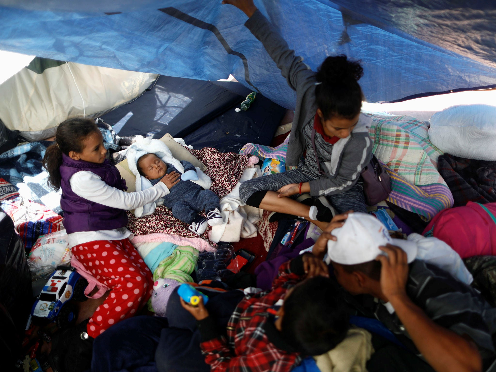 Trump administration to place unaccompanied migrant children in tents at remote Texas site