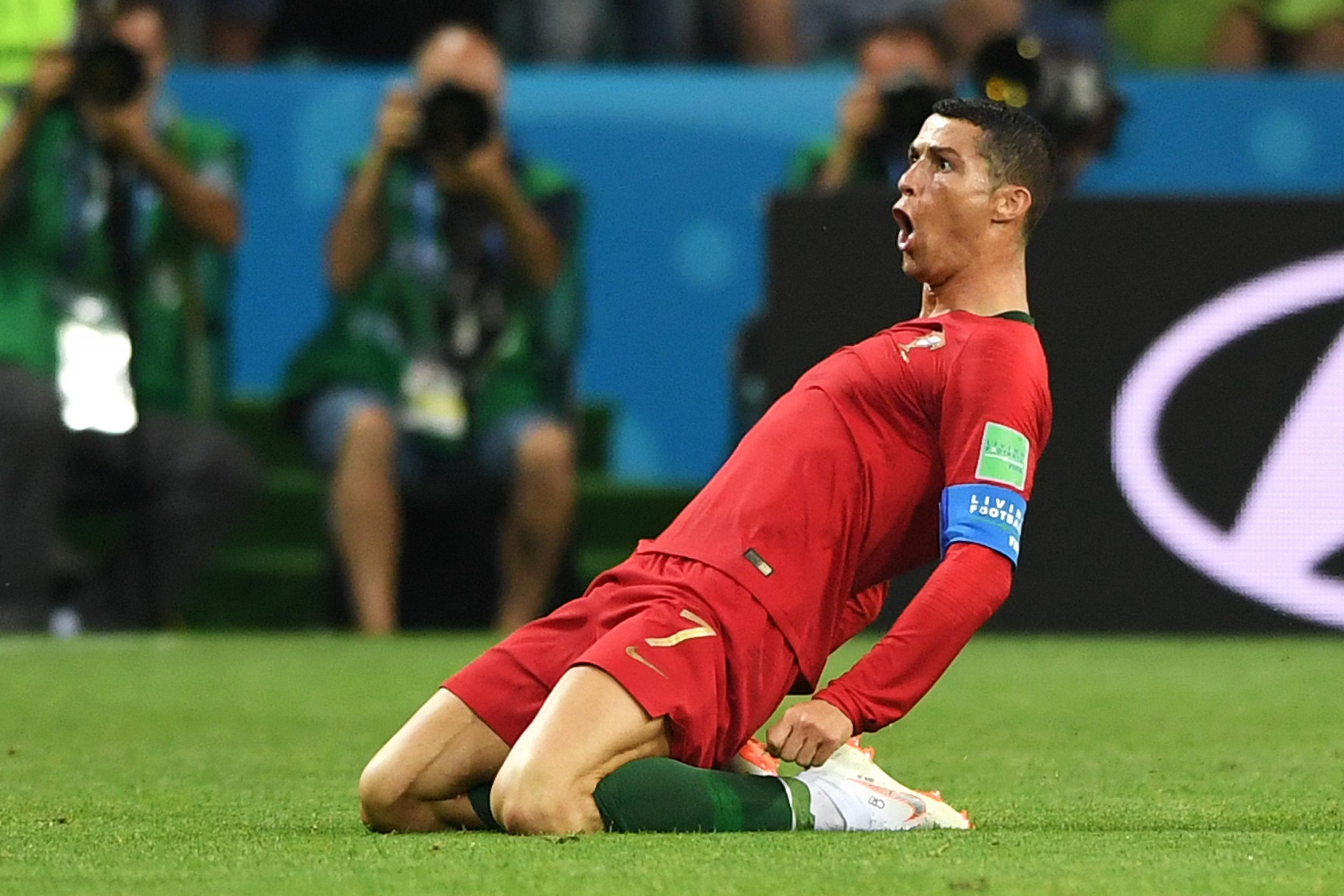 Cristiano Ronaldo World Cup 2018 hat-trick goal  Portugal star makes  history with stunning free kick against Spain  9e11d0e30bc
