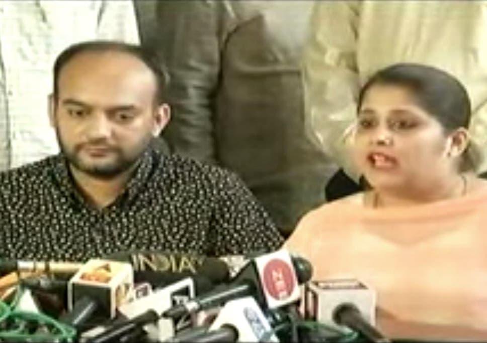 Married srilankan muslim couple