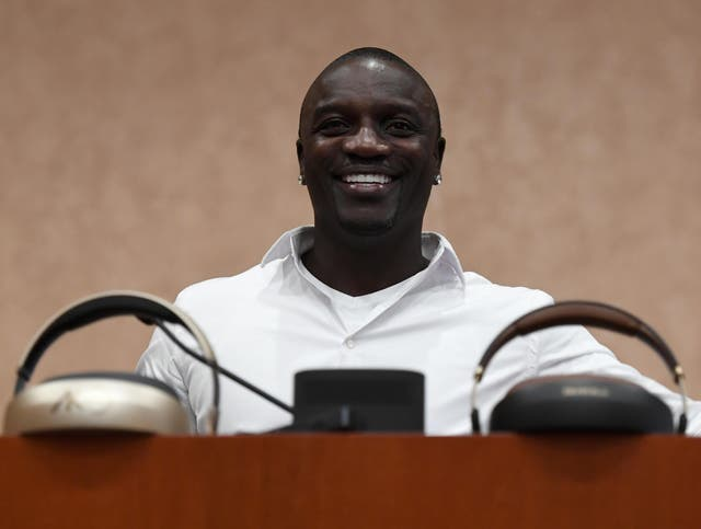 Rapper Akon unveils plans to create a futuristic city in Senegal centred around his own cryptocurrency.
