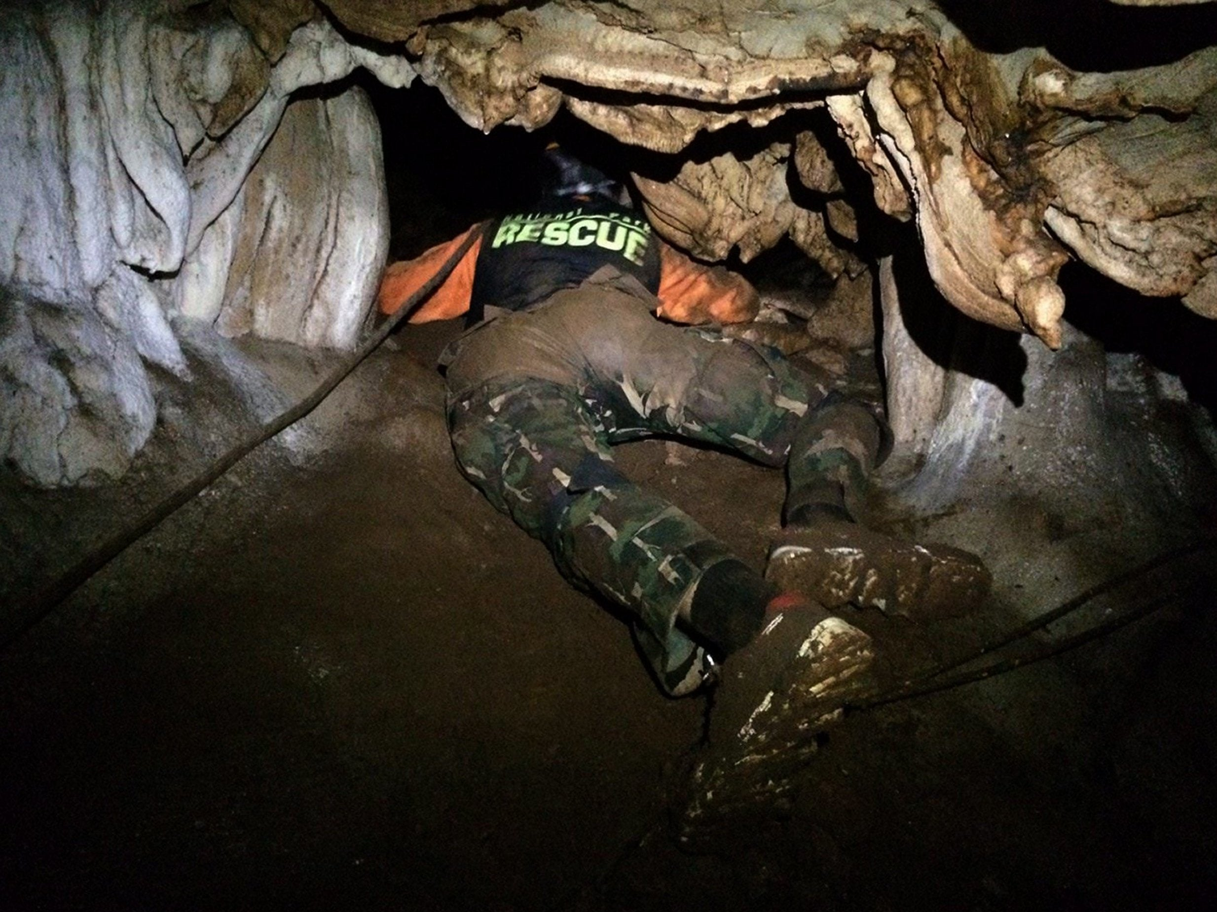 Rescuers to drill into caves where Thai boys' football team is trapped as US Army and British divers join search