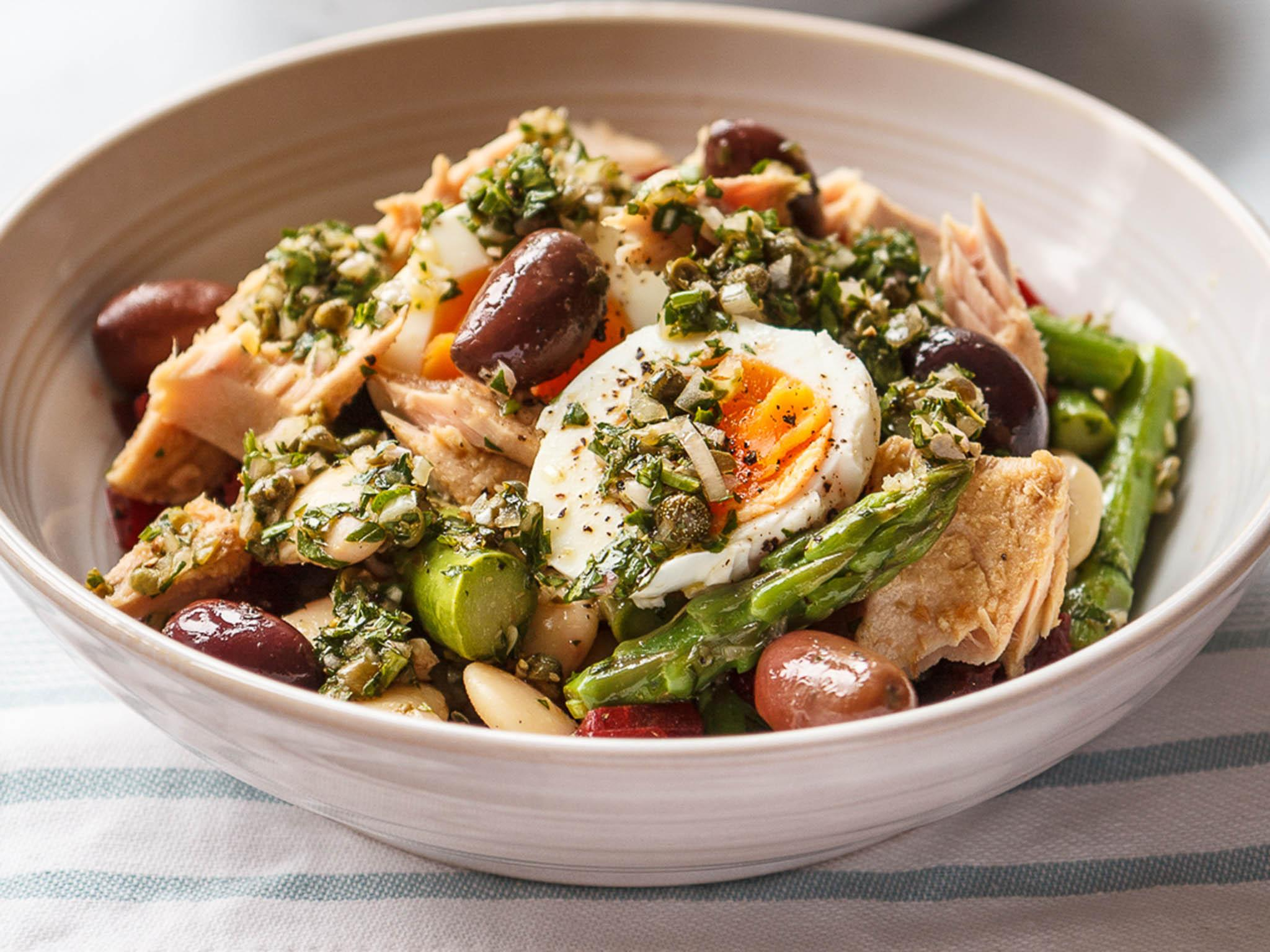 How to make an asparagus, tuna and bean salad in 20 minutes 1