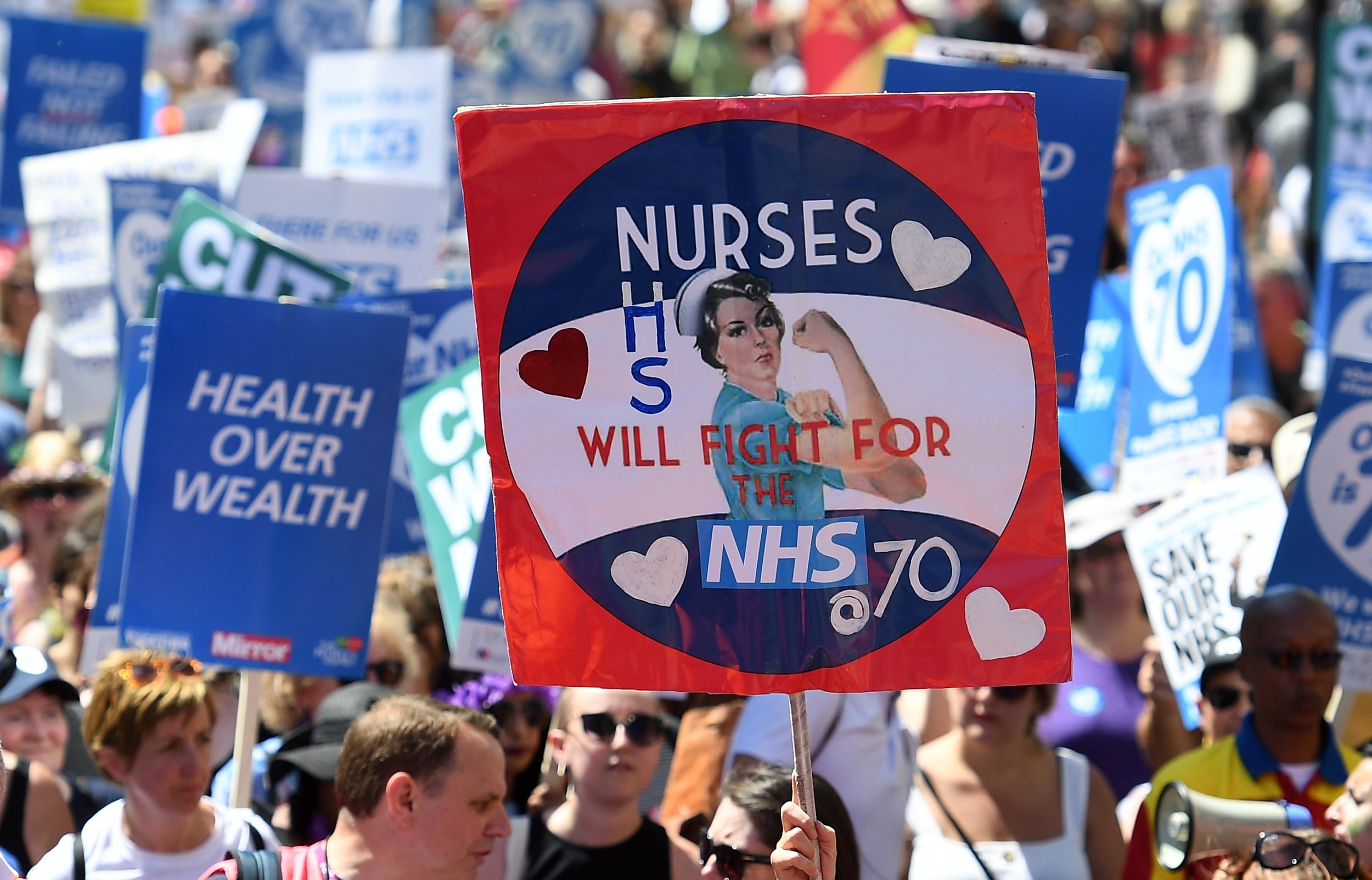 Nine Out Of 10 Hospitals Are Short Of Nurses Uk News >> One In Four Nhs Wards Has Dangerously Low Numbers Of Nurses