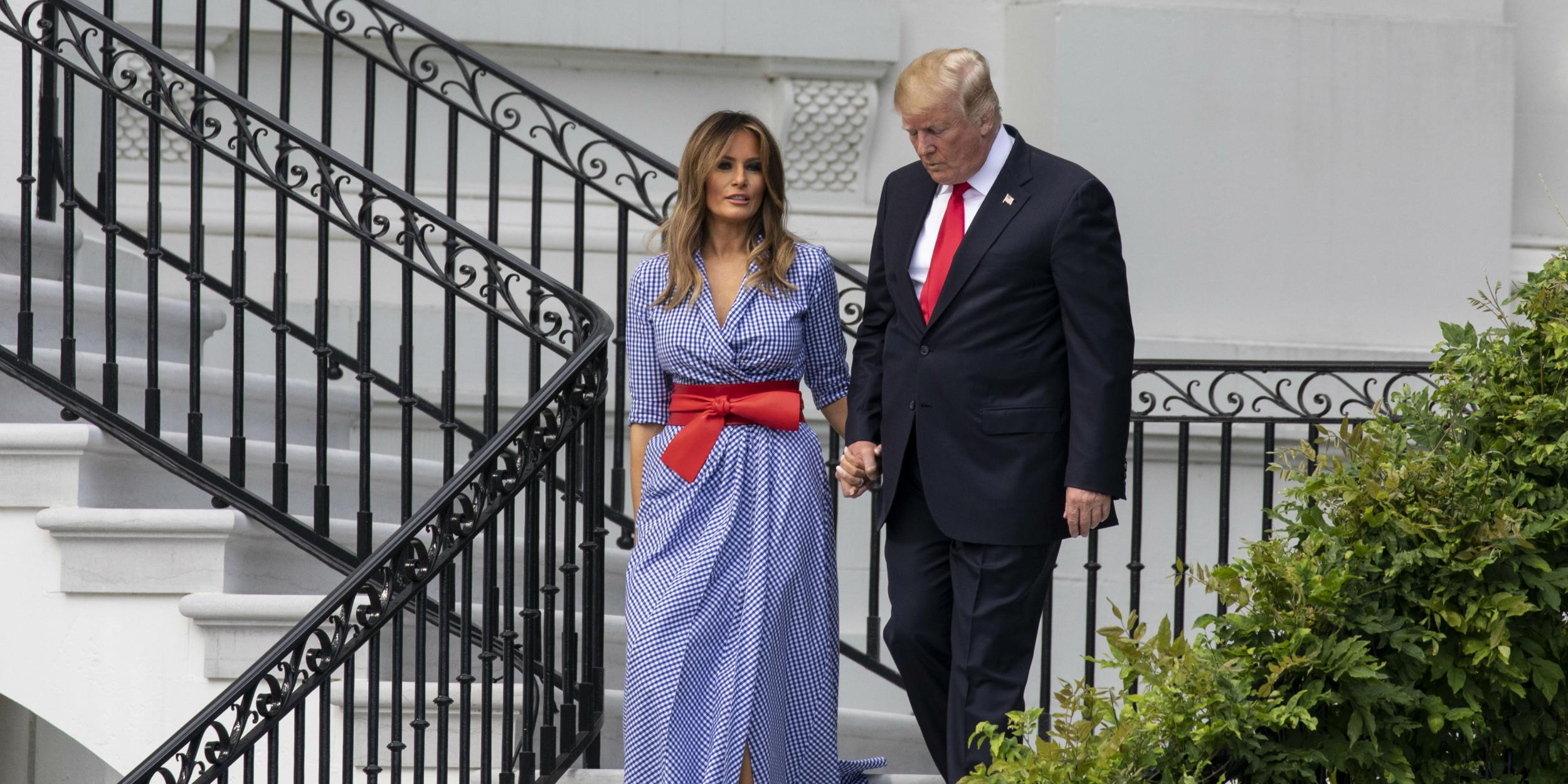 Melania Trump Held Donald Trump S Hand While Celebrating 4 July In Rare Display Of Affection Indy100 Indy100