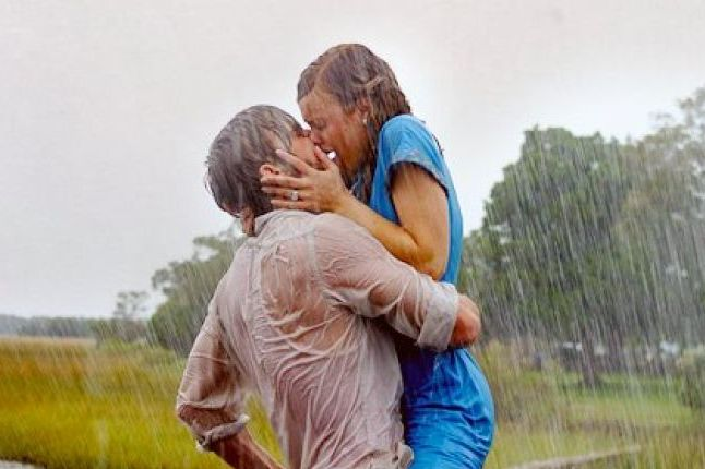 7 reasons kissing is good for you