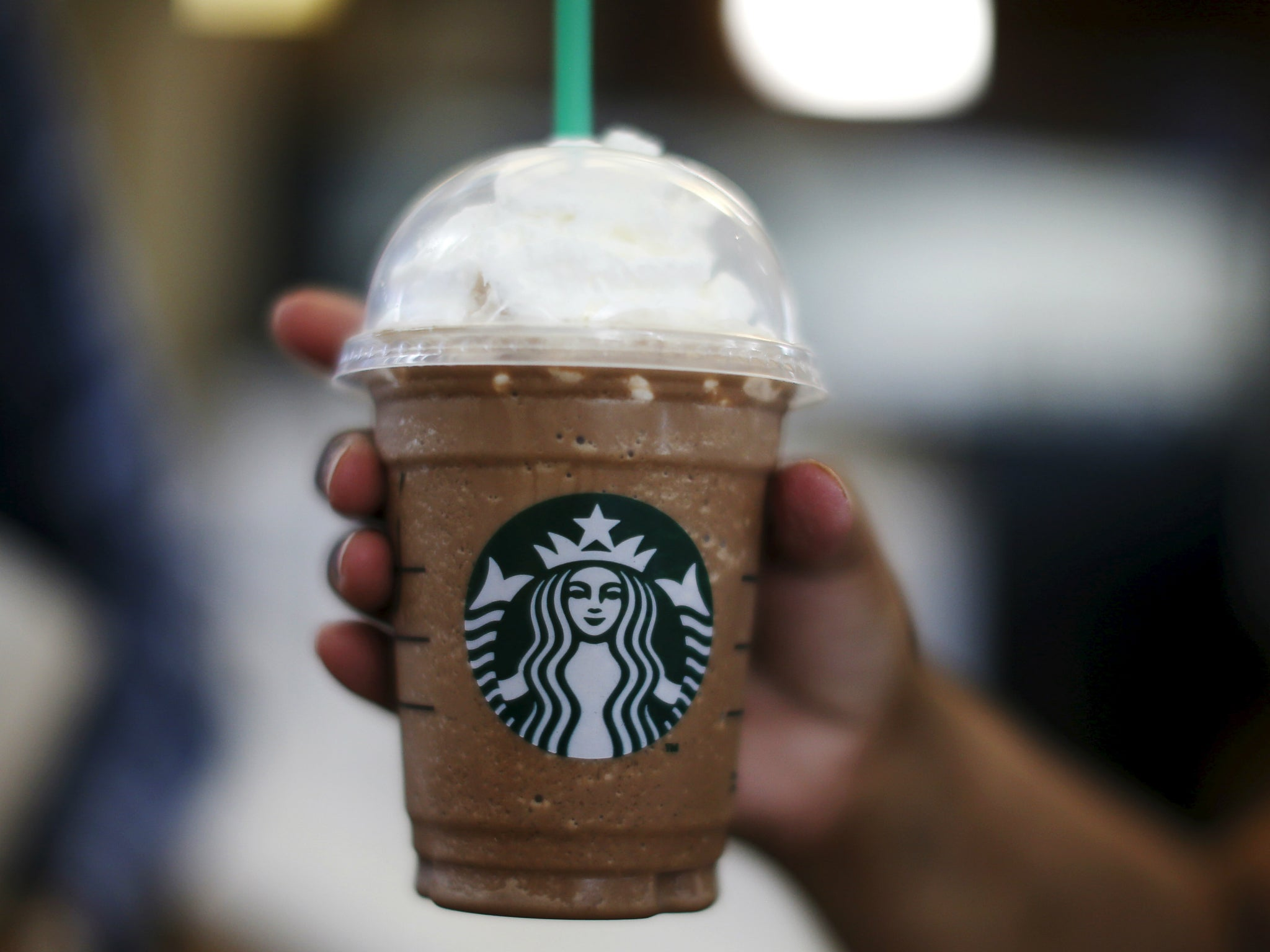Starbucks will stop using plastic straws by 2020