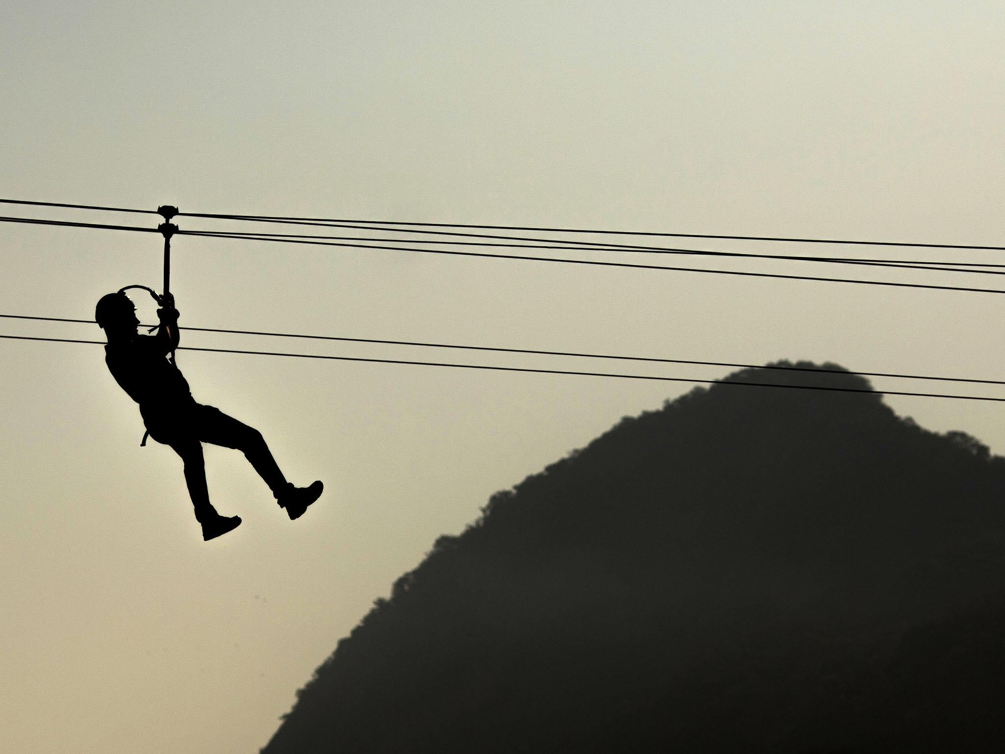 Man Dies After Colliding With Wife On Zipline Honeymoon In About A Foot And You Can Repurpose Those Wires Within The Controller Honduras Independent