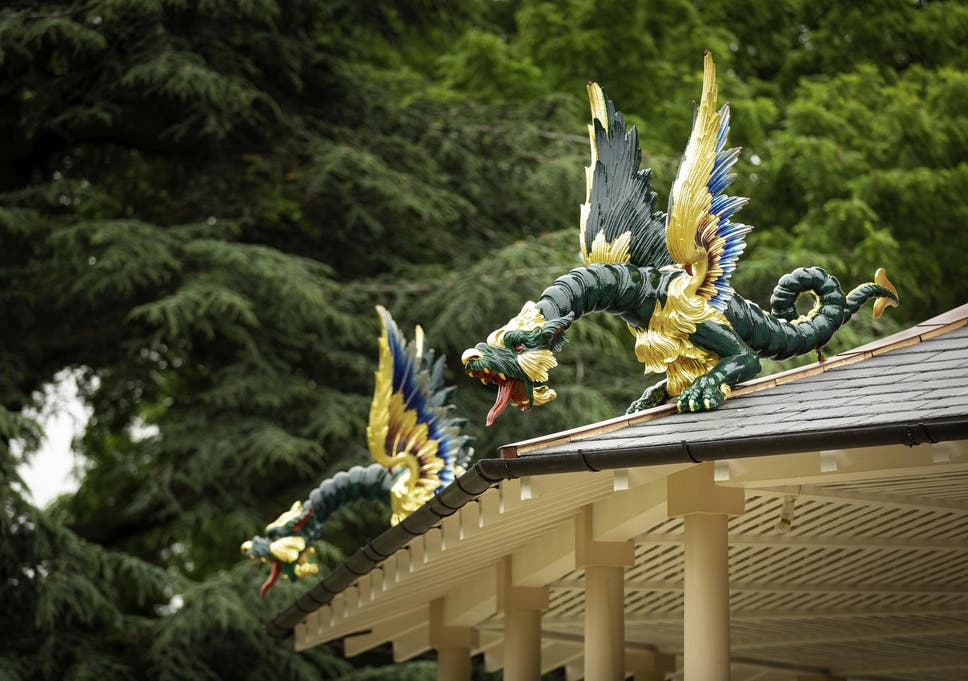 london s population of 18th century wooden dragons returns after