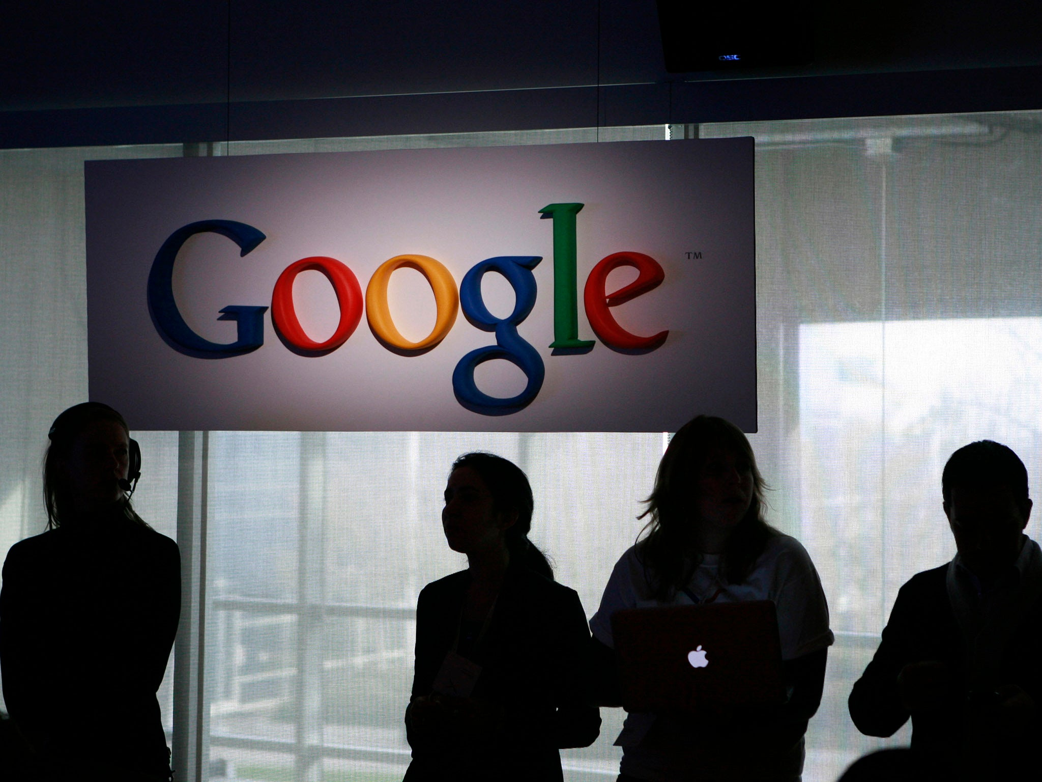 Google Changes Website to Clarify Exactly When it is Tracking People Around