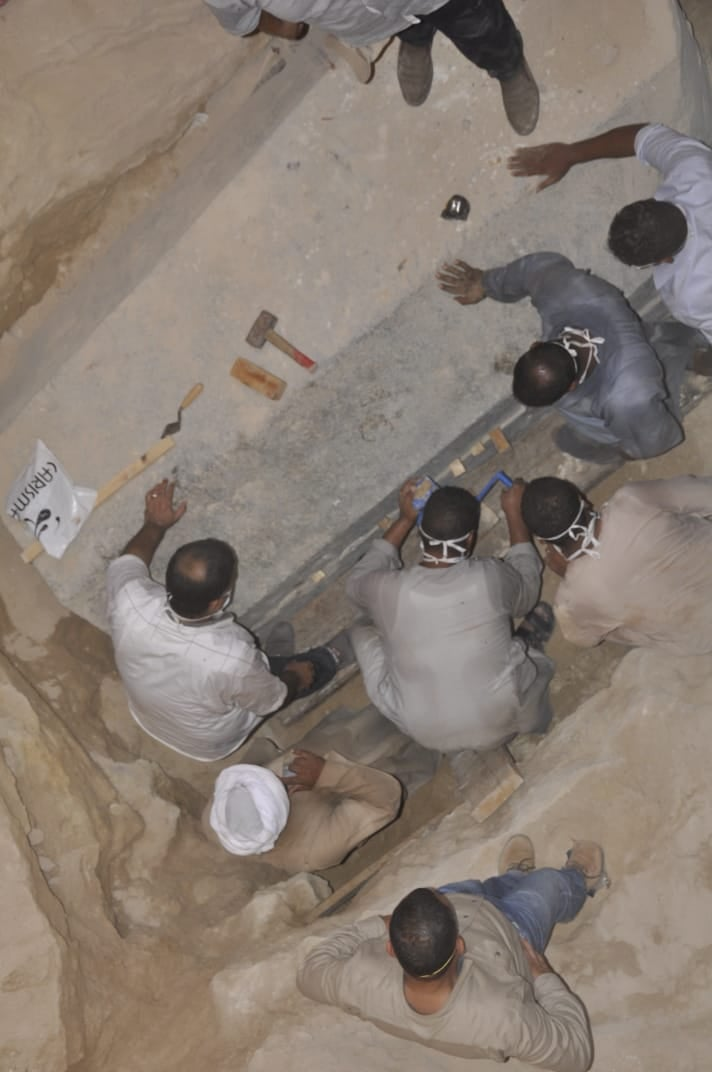 Black sarcophagus: Archaeologists announce the approximate ages of the Egyptian mummies - image on https://alldesingideas.com