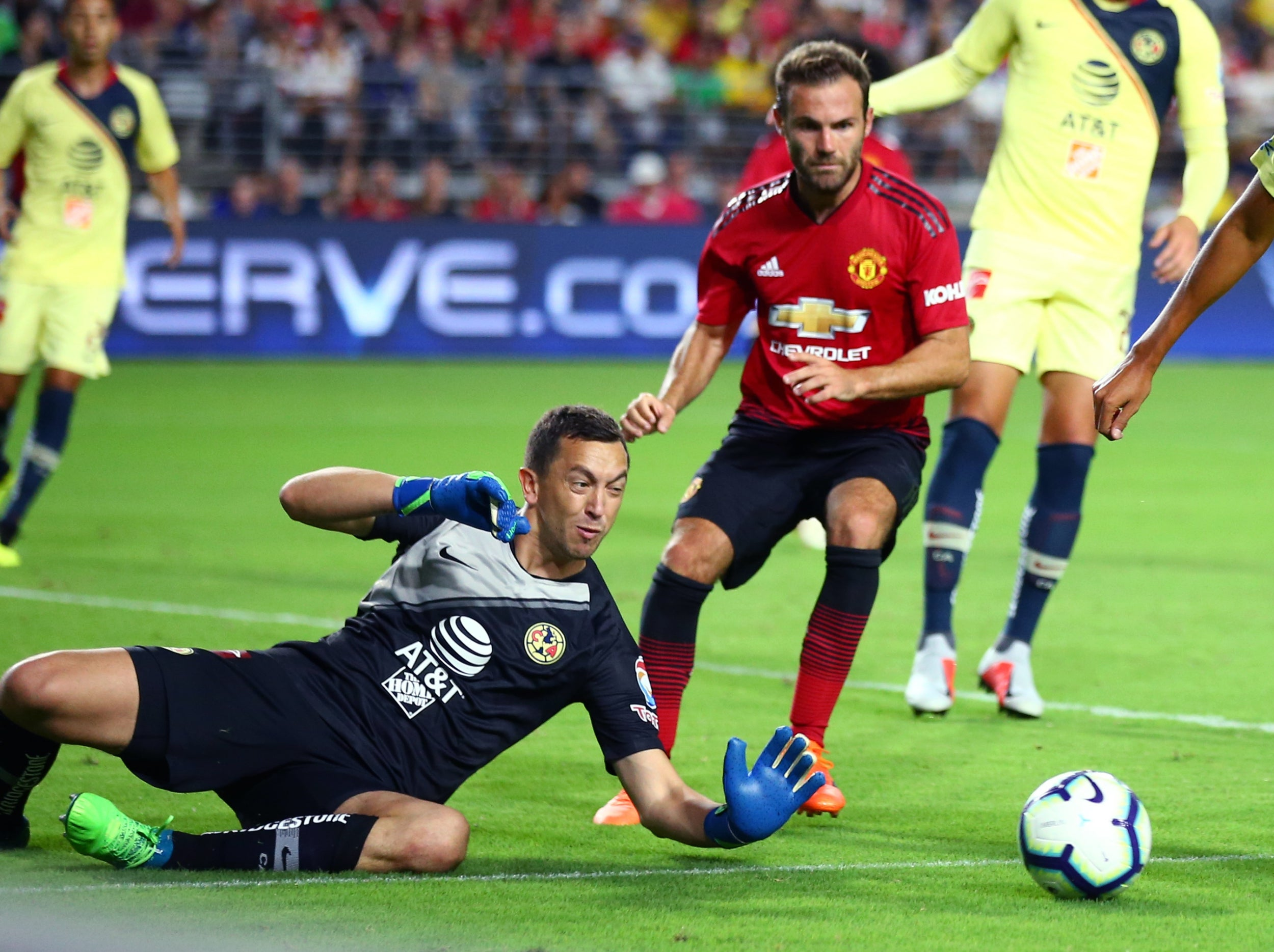 Juan mata saves manchester united from opening us pre season tour united stopboris Image collections
