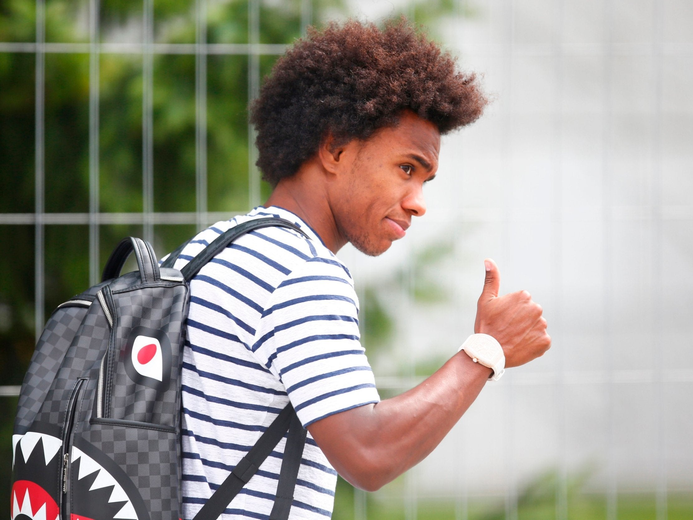 Transfer news, rumours - LIVE: Manchester United dealt blow in Willian chase, Real Madrid bid for Eden Hazard plus latest Arsenal, Spurs and more