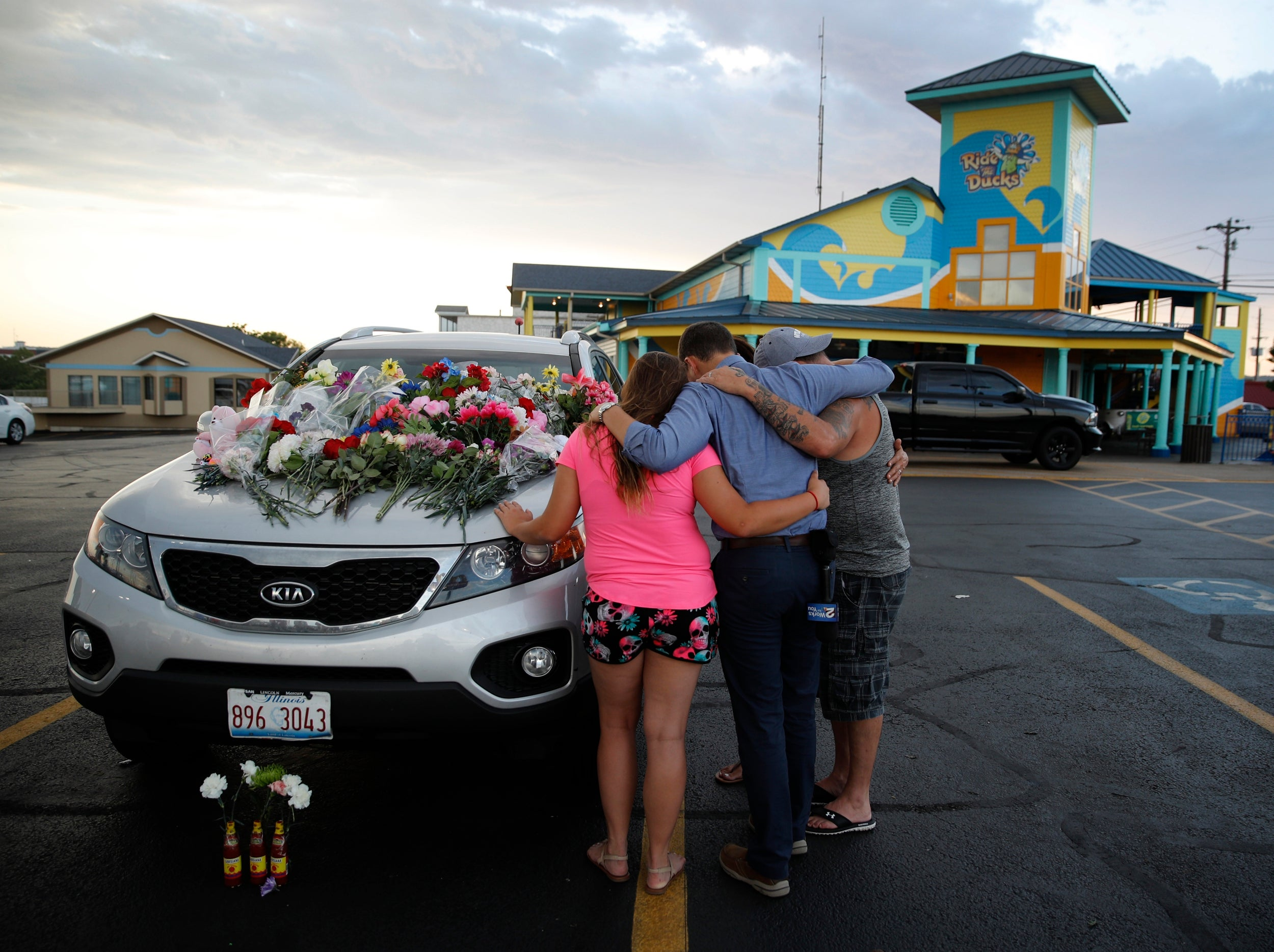 Missouri boat crash: 17 dead - 9 from the same family