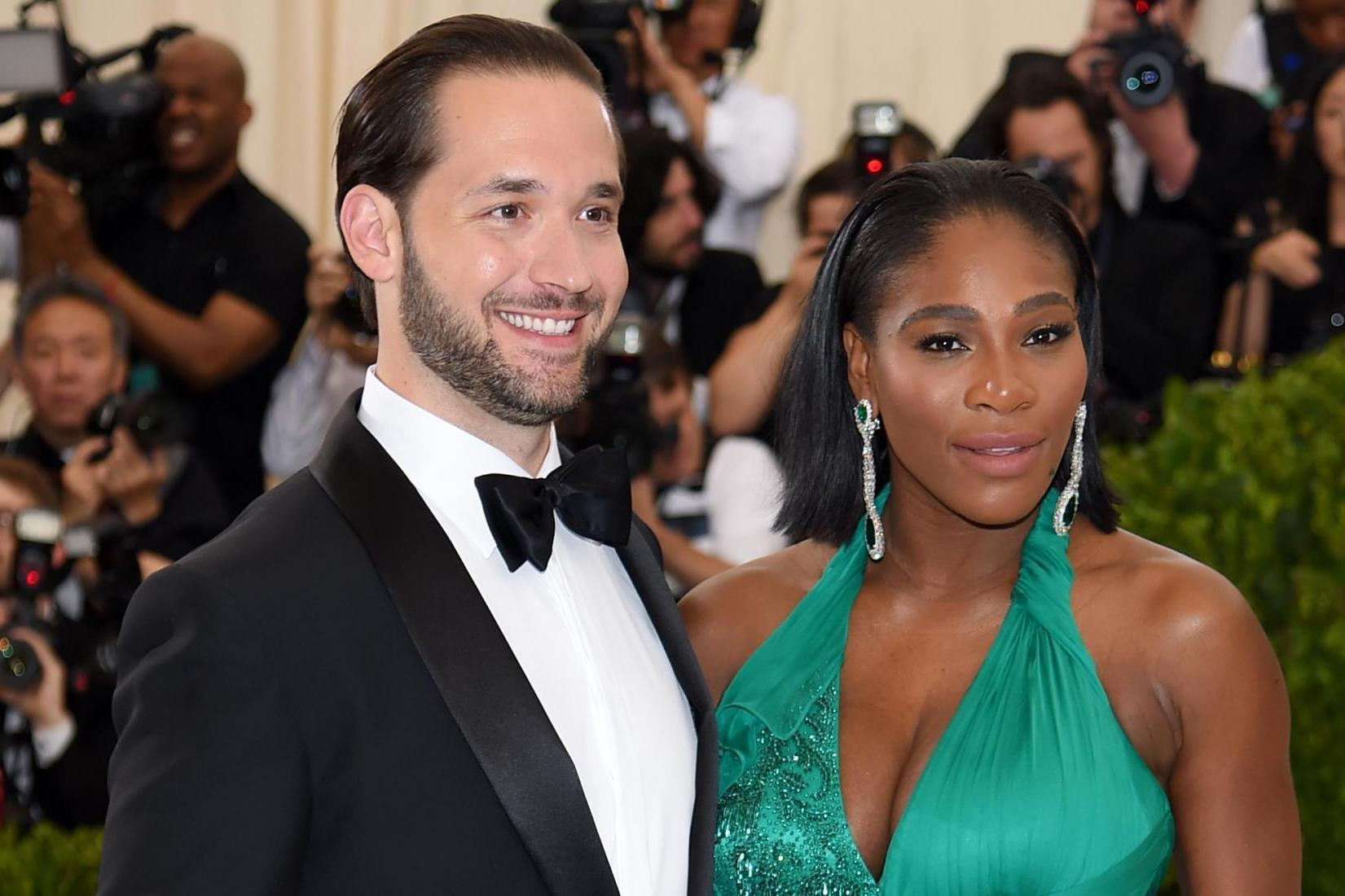 Serena Williams husband flies her to Venice because she
