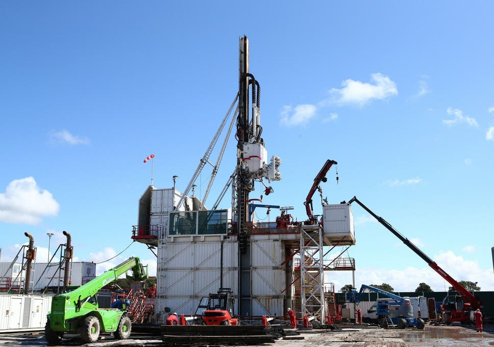 government gives last minute go ahead to uk fracking site the
