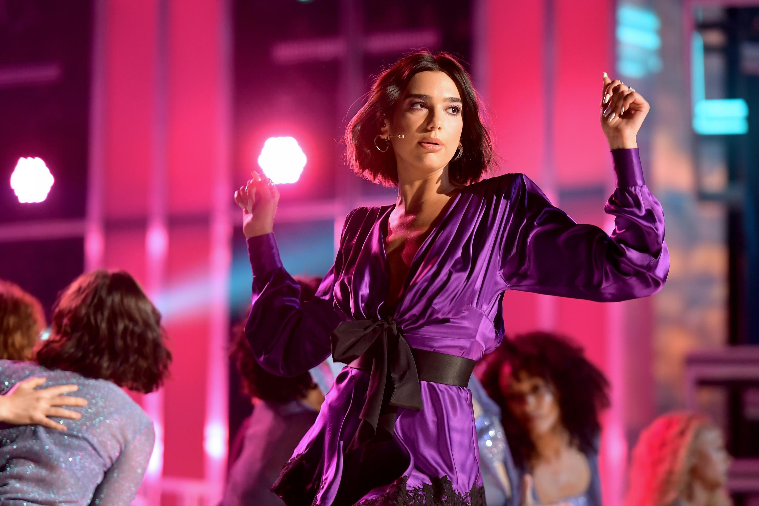 Dua Lipa: Dua Lipa Condemns United Airlines After Staff Refuse To