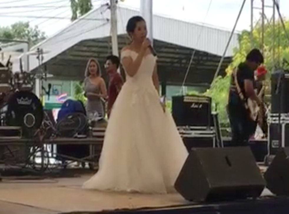 Bride announces on live-stream that her groom isn't coming (Facebook)