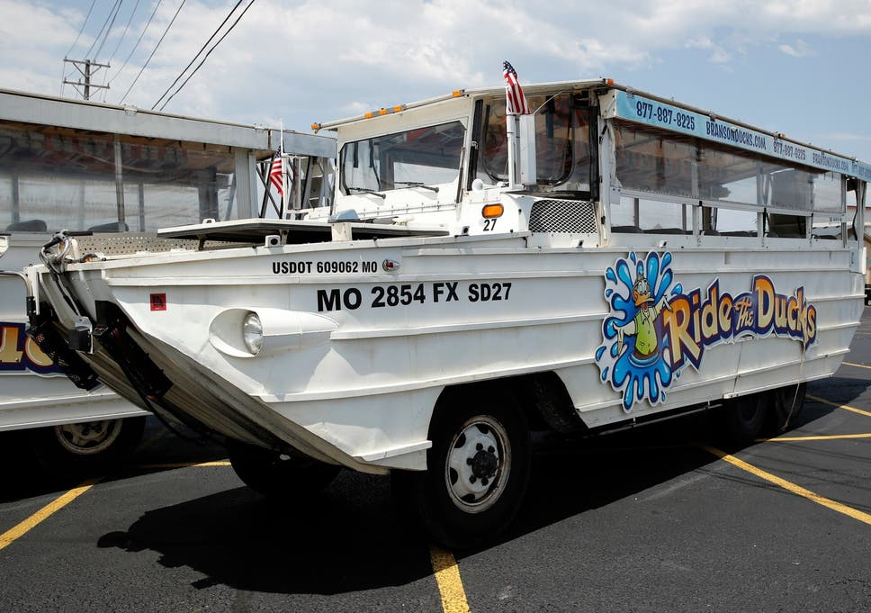 Missouri Duck Boat Crash Family Of Victims From Boat Capsizing Sue - Car show in branson mo 2018