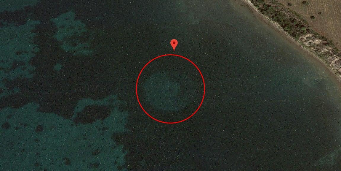 Slikovni rezultat za Google Maps: Huge unidentified object discovered off the coast of Greece