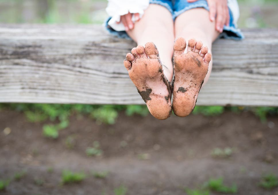 382eeb801599 Why going barefoot encourages a better foot structure for children ...