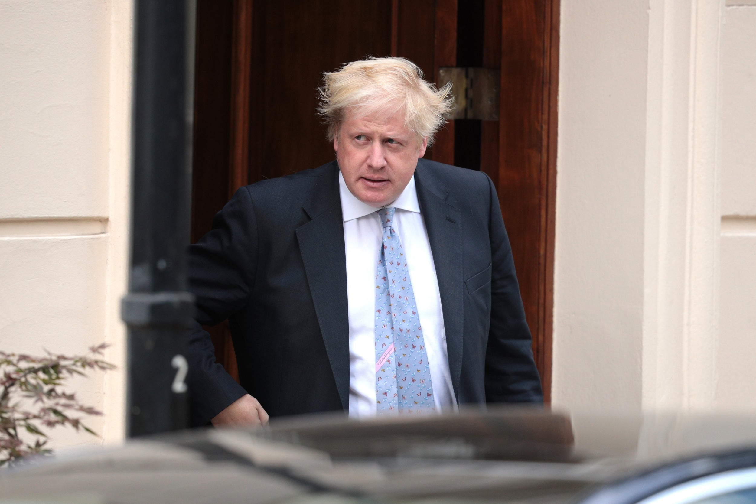 Boris Johnson burka comments - latest: Frail international secretary ordered to apologise for 'Islamophobic' remarks amid requires Tories to plot end away whip thumbnail