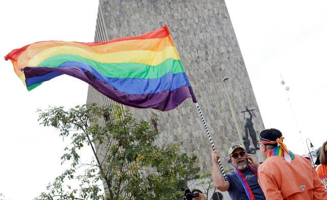 La comunidad LGBT + celebra una victoria histórica tras la decisión
