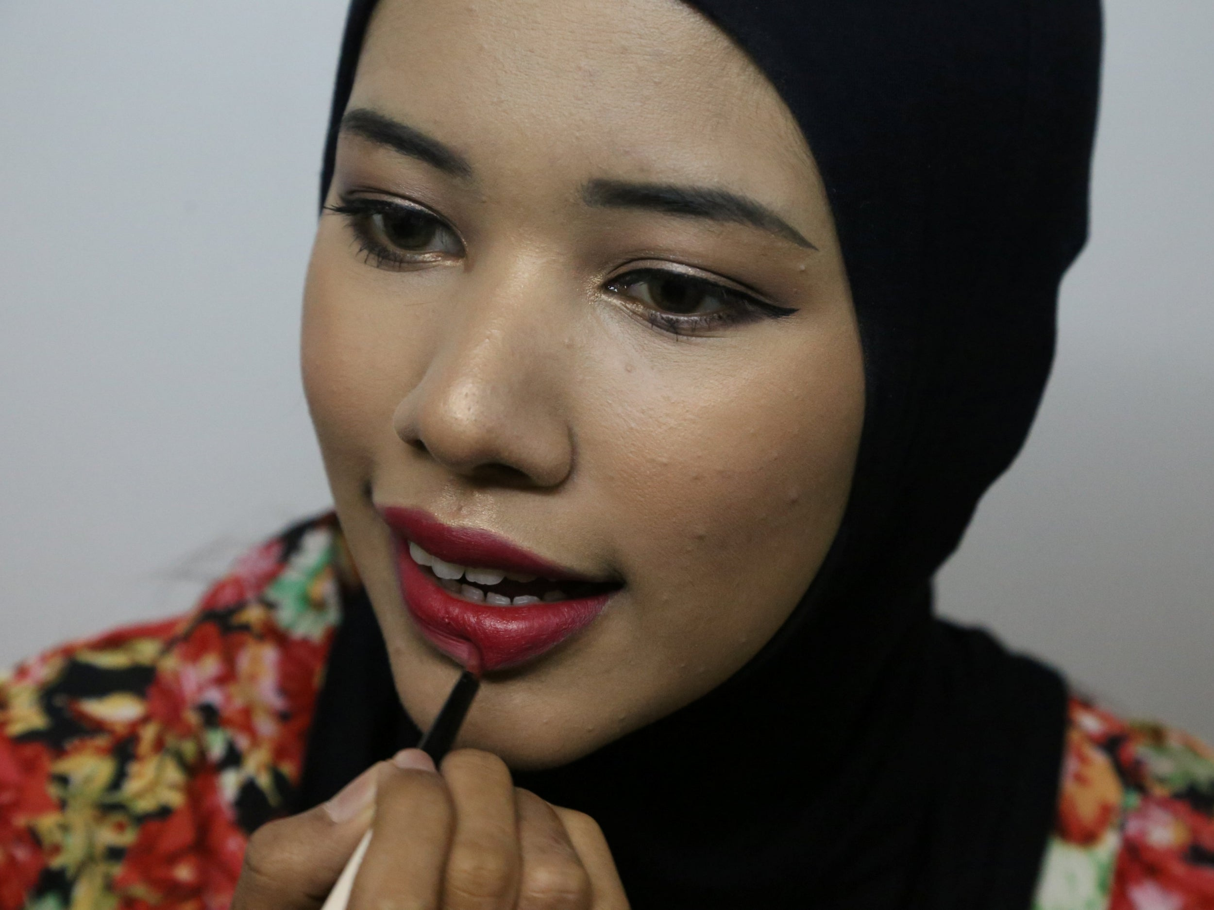 A Beauty Blogger Is Challenging The Way Muslims Are Viewed In Myanmar