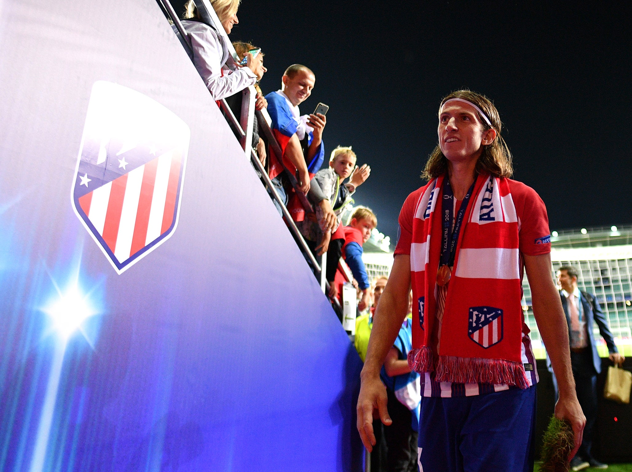 Filipe Luis transfer news: Atletico Madrid boss Diego Simeone hopes defender will not be sold to Paris Saint-Germain