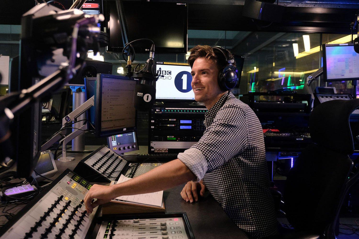 BBC Radio 1: Greg James's Radio 1 Breakfast Show Review: Out With The