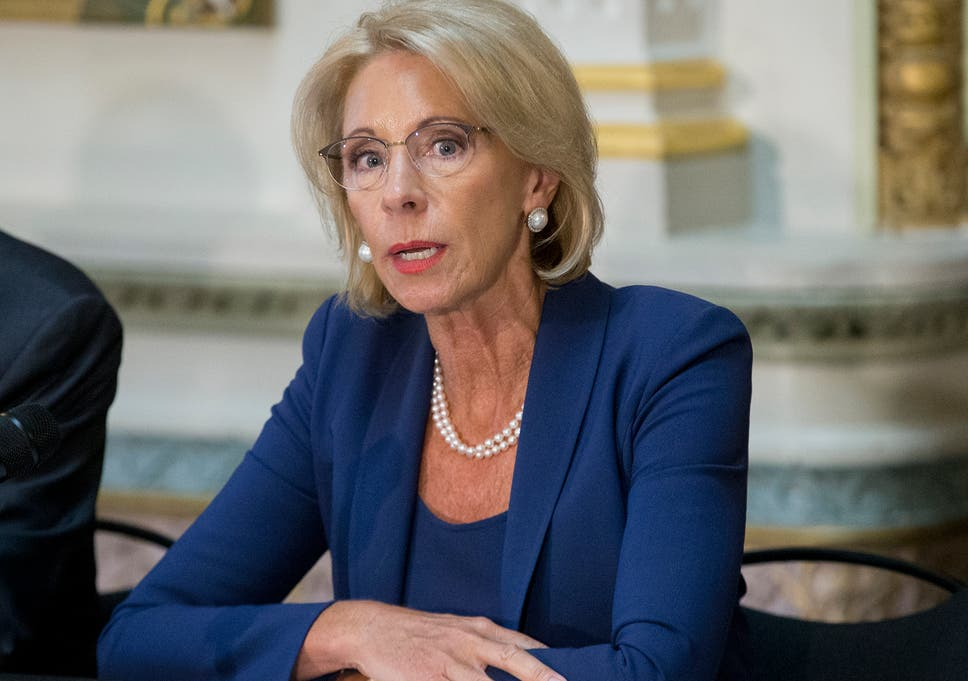 Devos Says Real Problem In Education Is >> Betsy Devos Encourages Students To Not Be Nasty On Twitter So