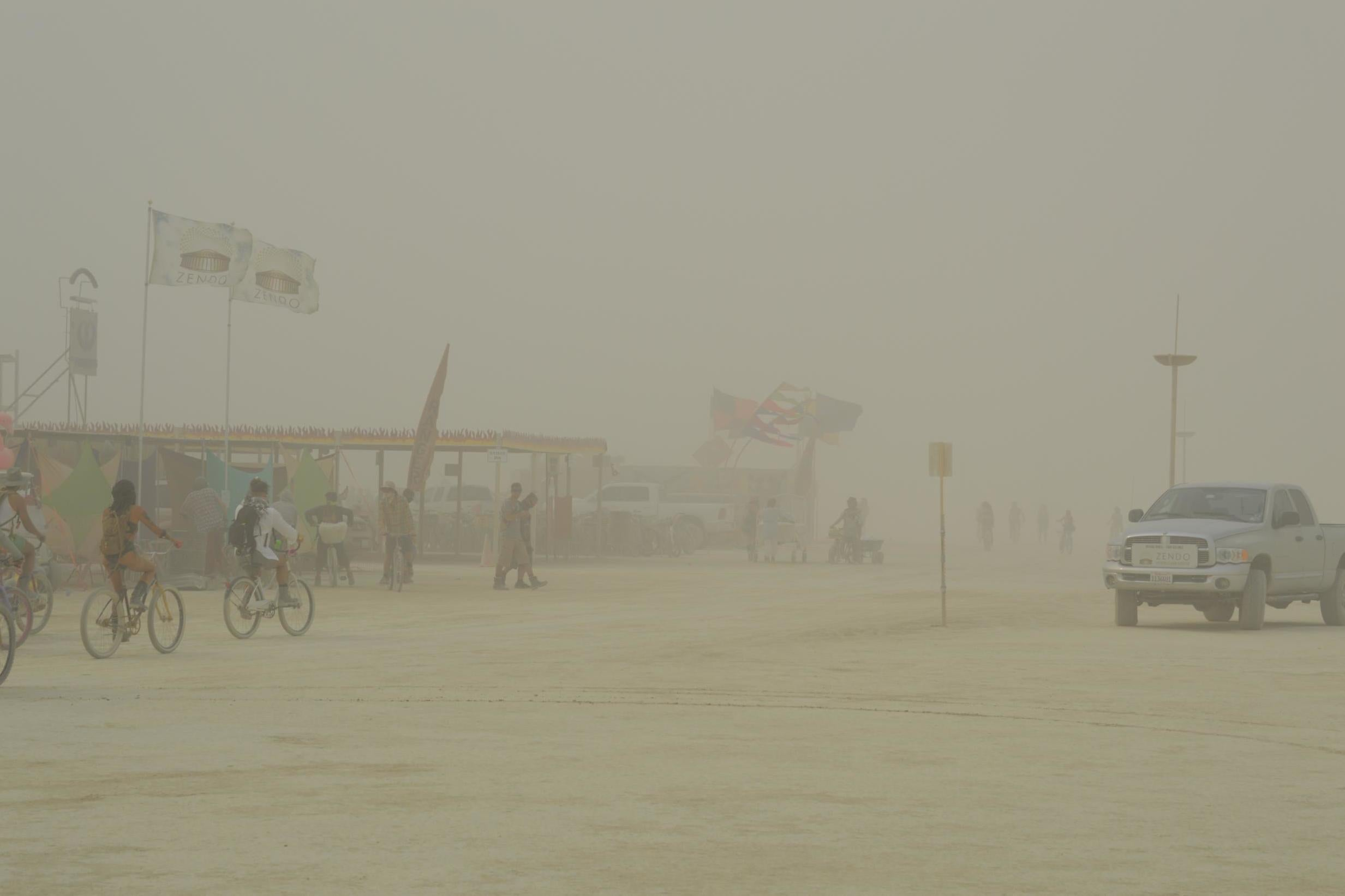 Whiteouts and dust storms cause Burning Man 2018 to stop entry for three hours