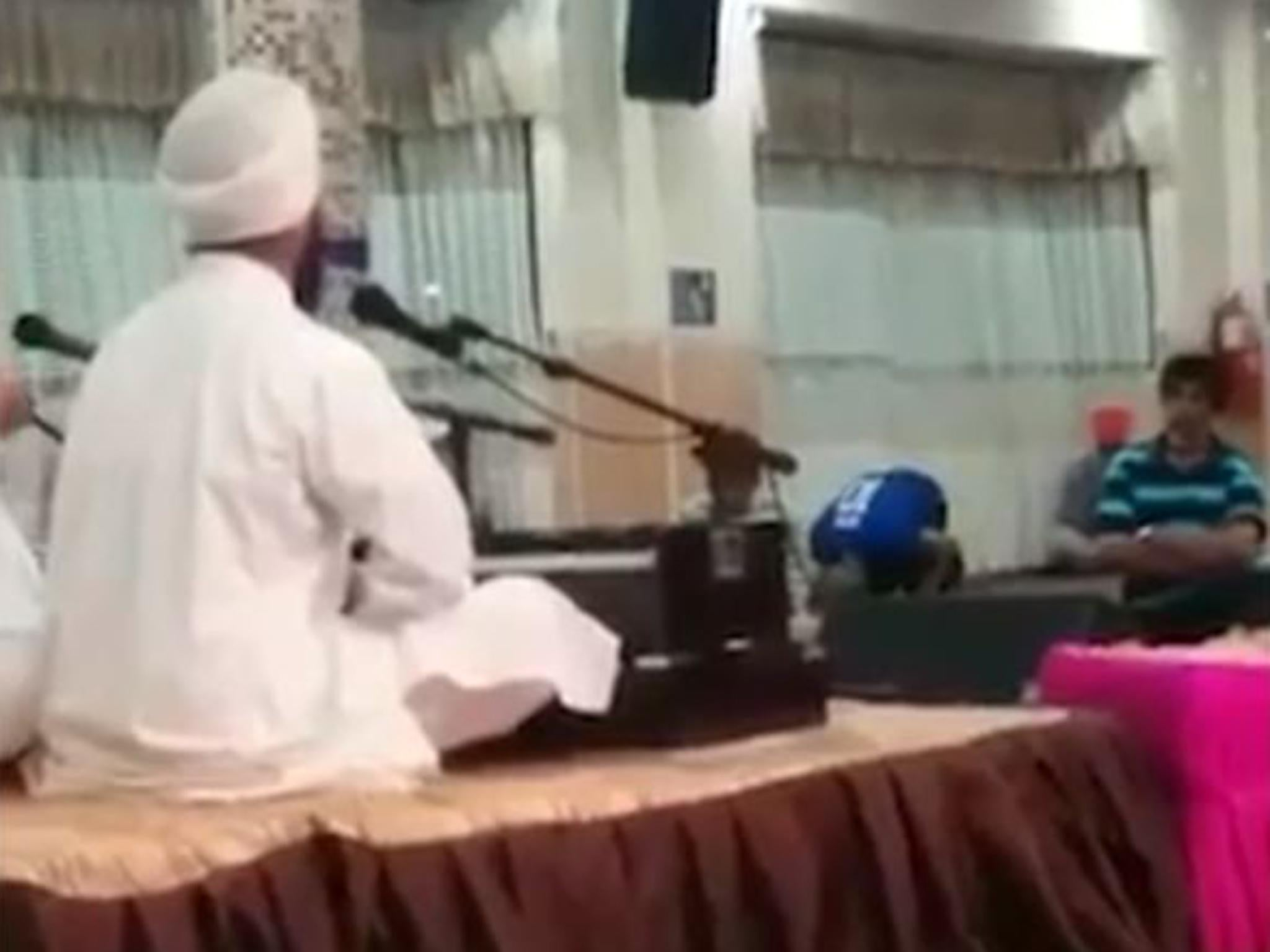 Sikh temple invites muslim man unable to find mosque to pray the sikh temple invites muslim man unable to find mosque to pray the independent izmirmasajfo