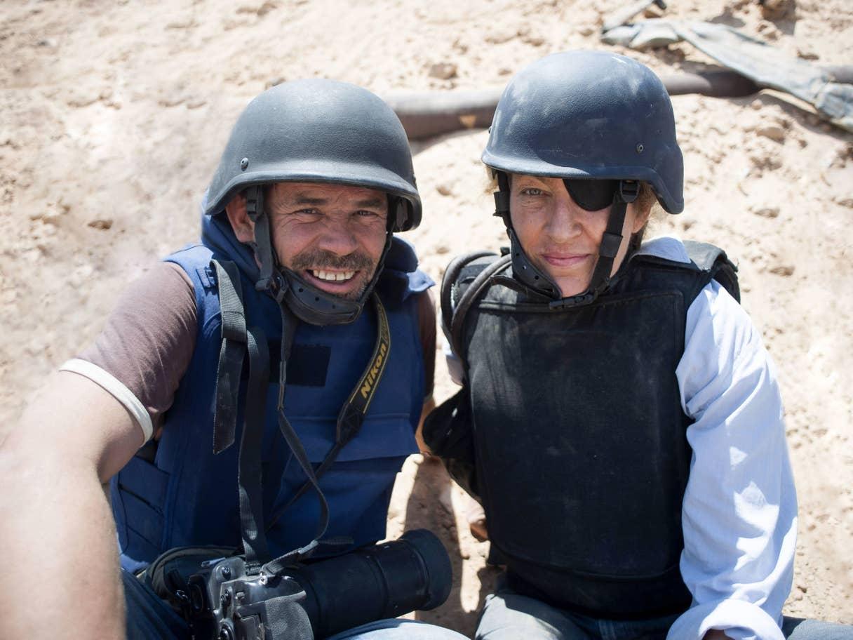 Paul Conroy e Marie Colvin. Credits to: AP.