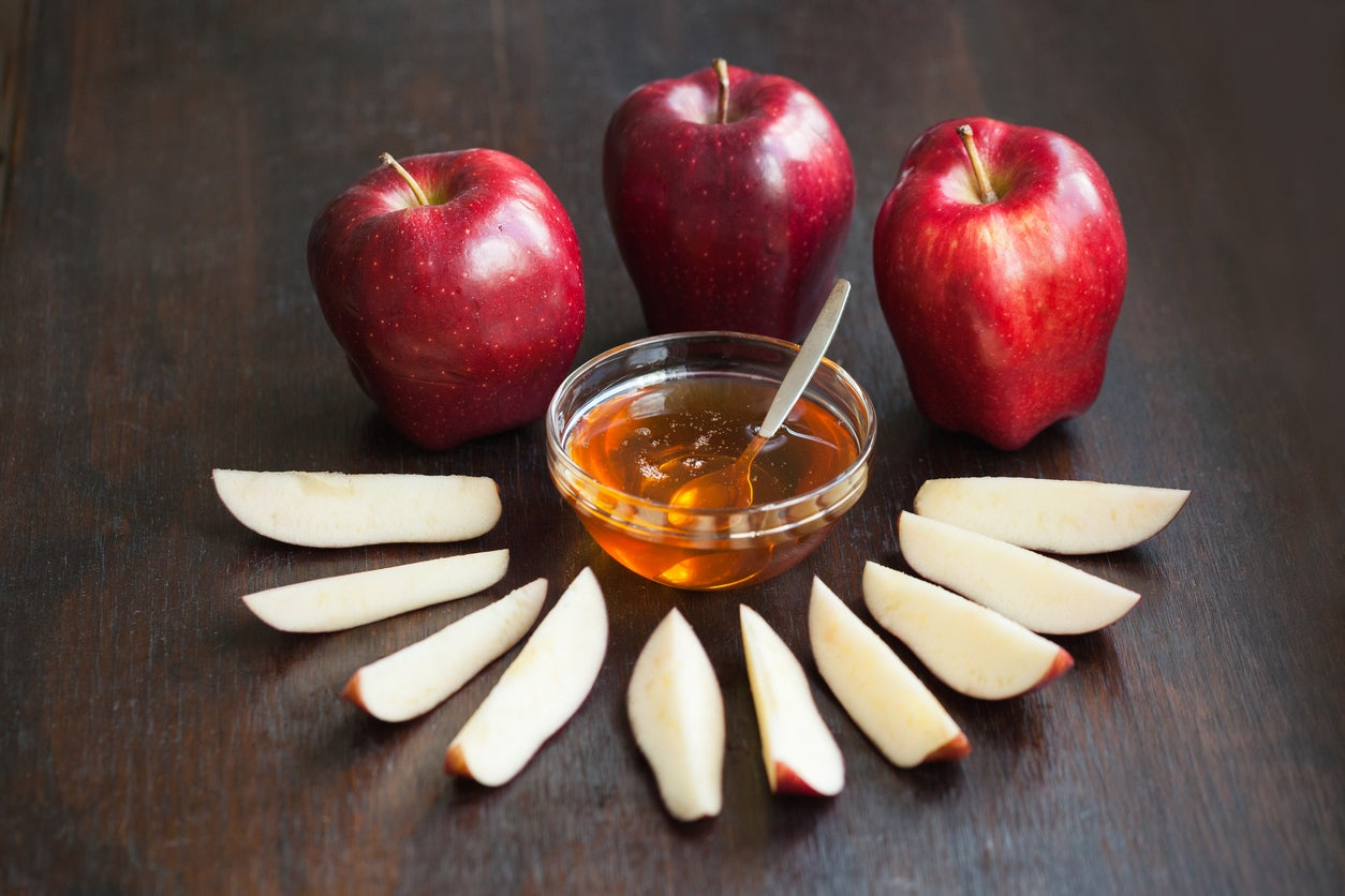 Rosh Hashanah 2018 The Symbolic Foods That Are Eaten During The