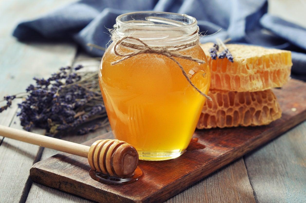 العسل لعلاج الدمامل
