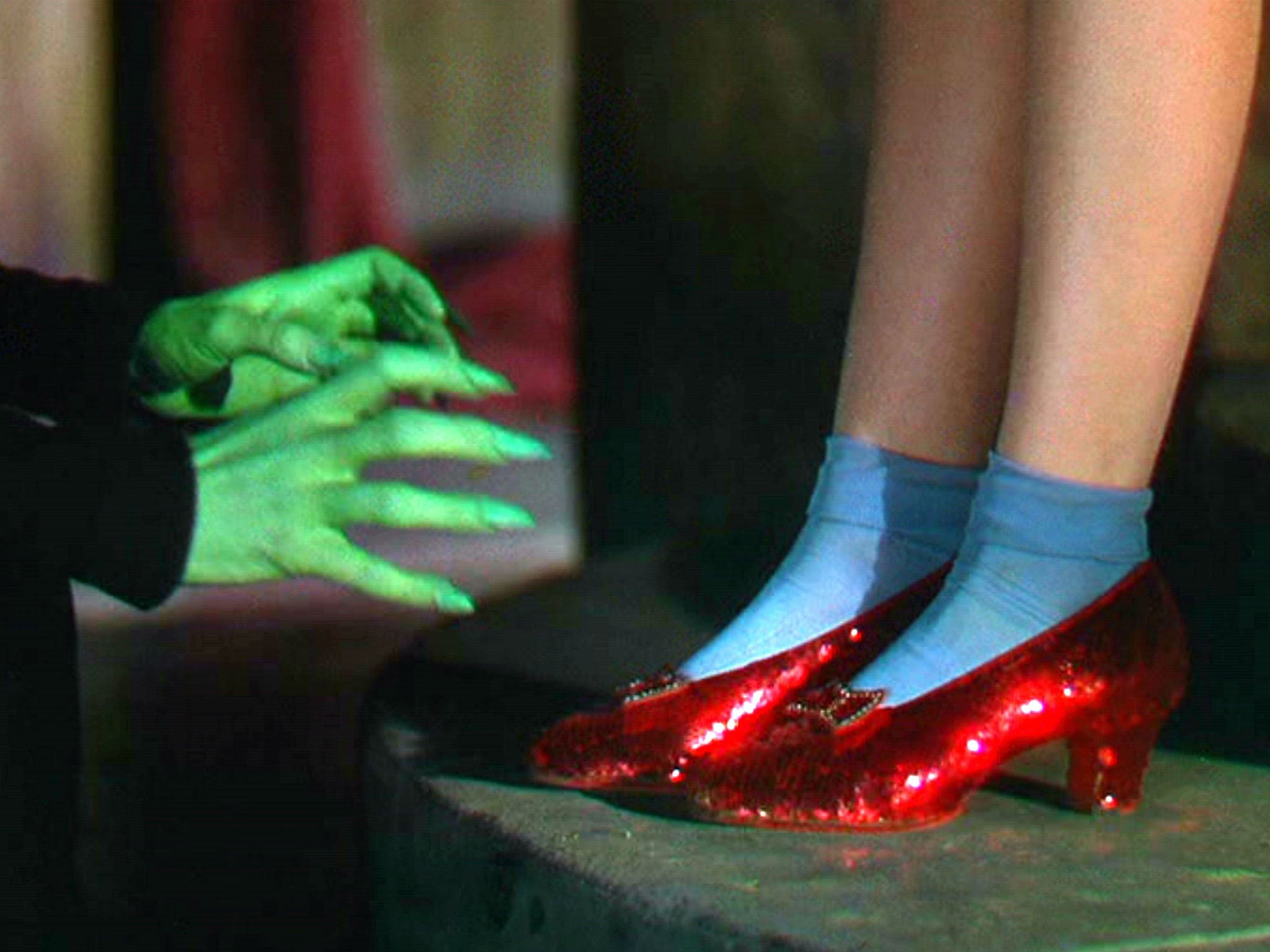 Stolen ruby slippers from wizard of oz found by fbi after 13 years the fandeluxe Choice Image