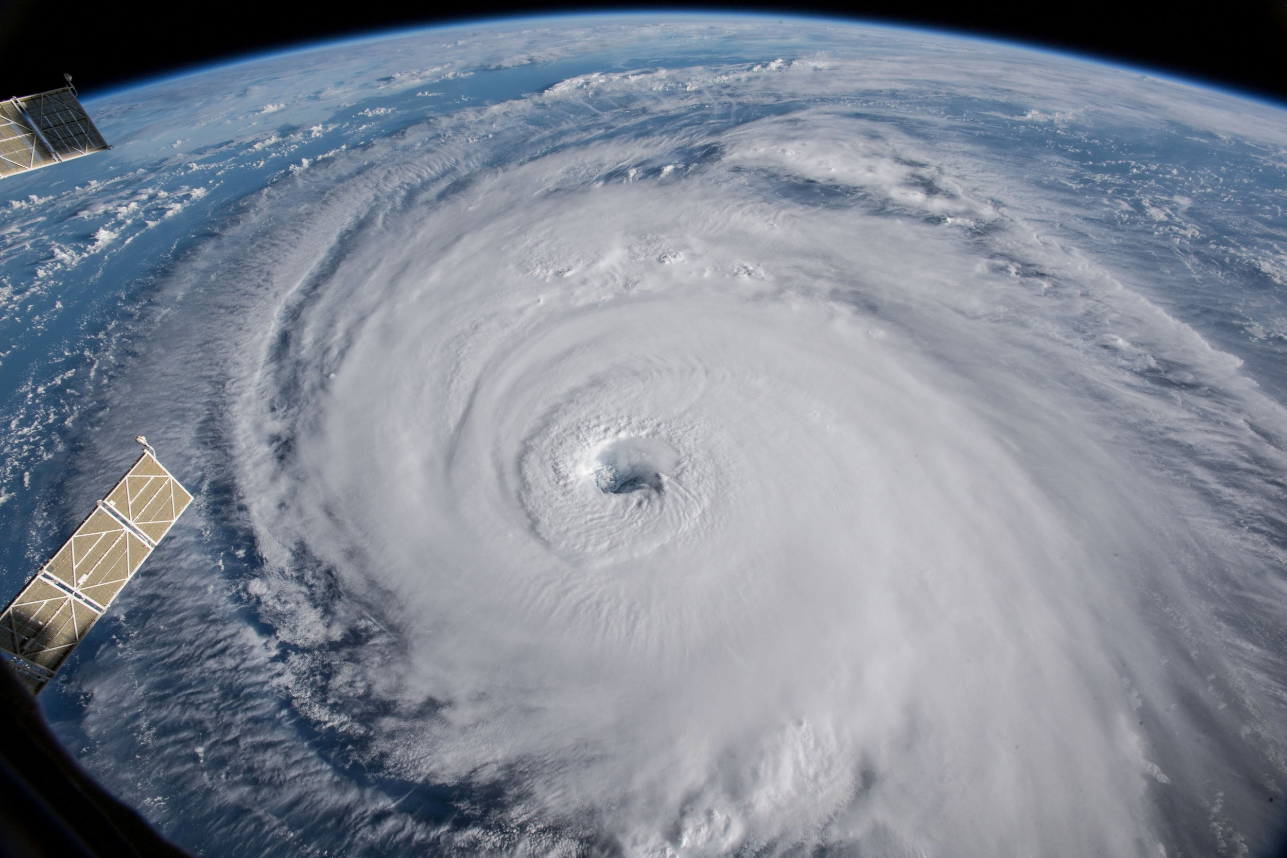 images from hurricane florence - HD 2500×1667