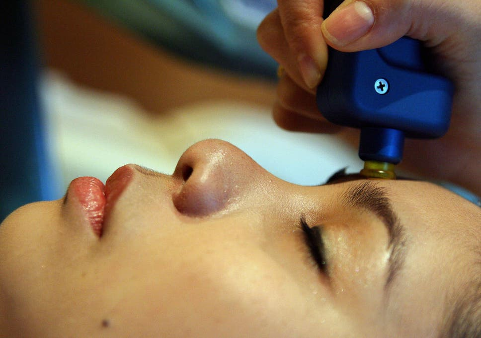 New Mexico authorities urge clients of spa giving 'vampire facials