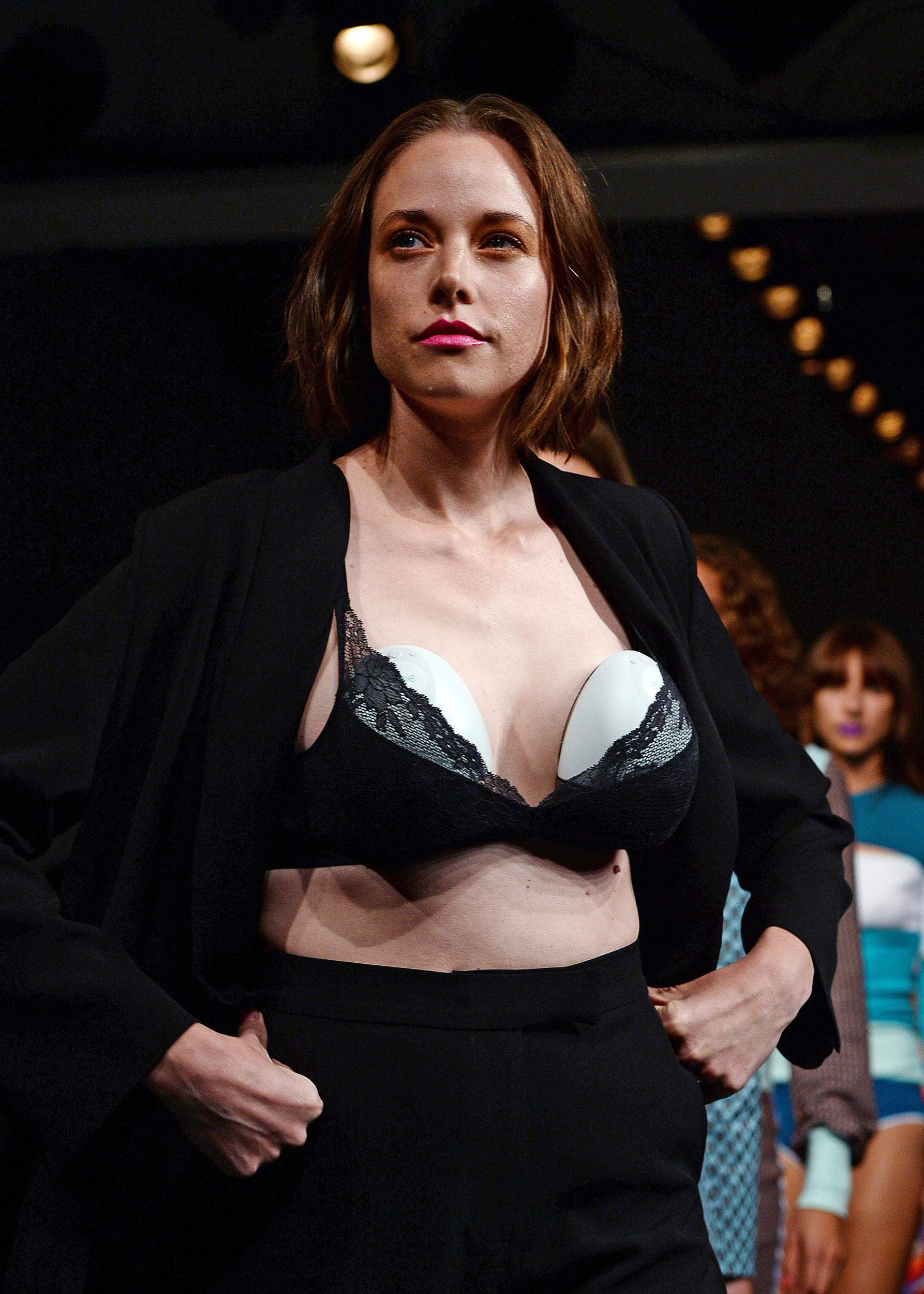 Model and Mom Valeria Garcia Opens Up About Wearing a Breast Pump on the Runway recommendations