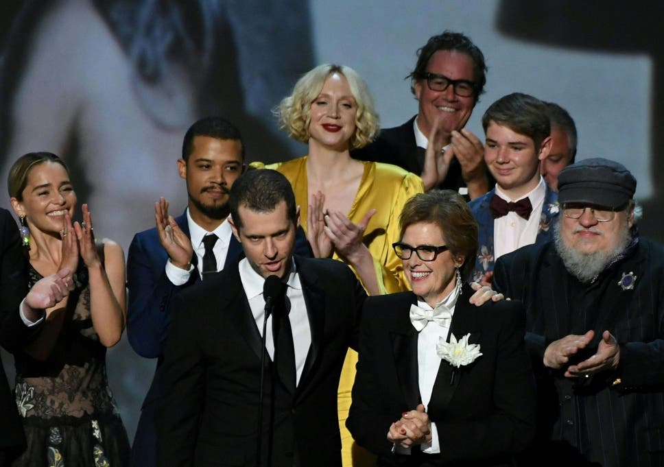 2b70302f4 The cast of 'Game of Thrones' accept the award Outstanding Drama series
