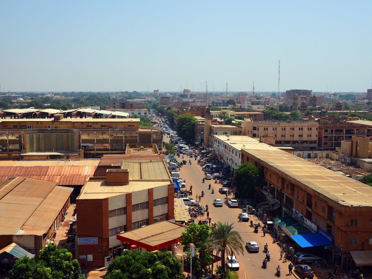 Ouaga Dating Site. Omul alb cauta femeie in Camerun