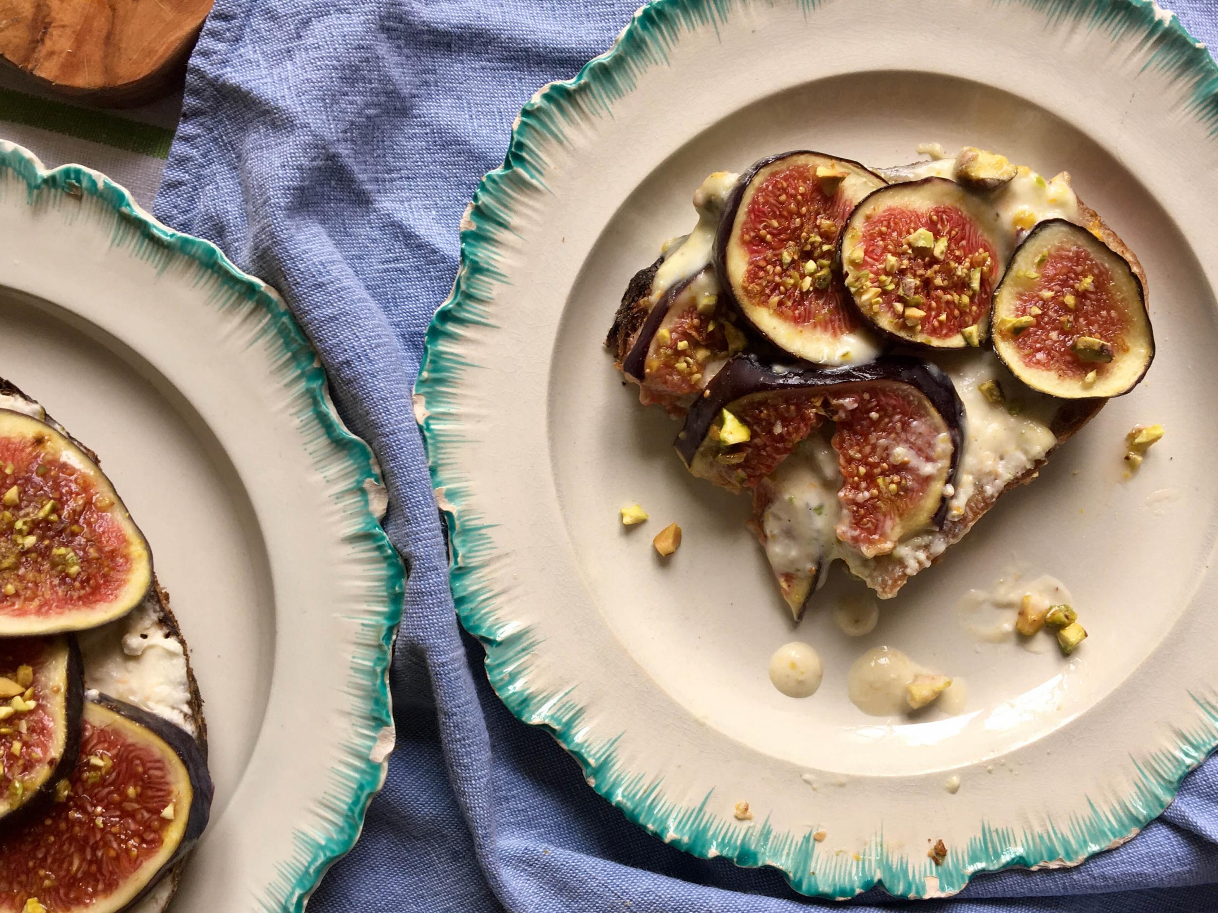 How to make orange and pistachio mascarpone with honey figs 1