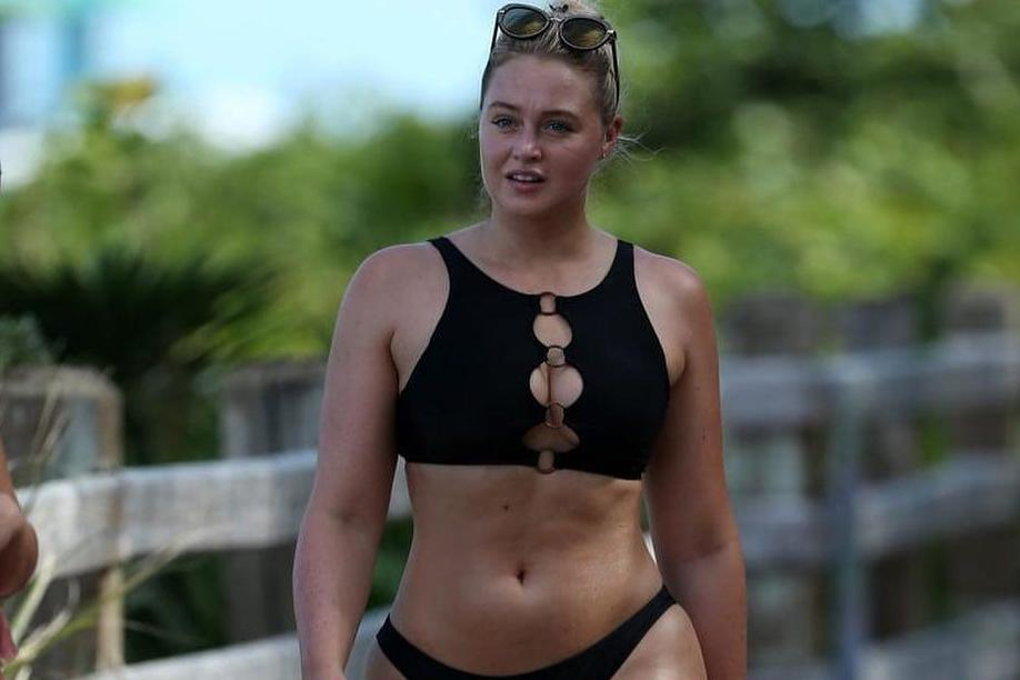 d464fba8461 Iskra Lawrence reveals she suffered from body dysmorphia and reminds  followers  no one can ever be you