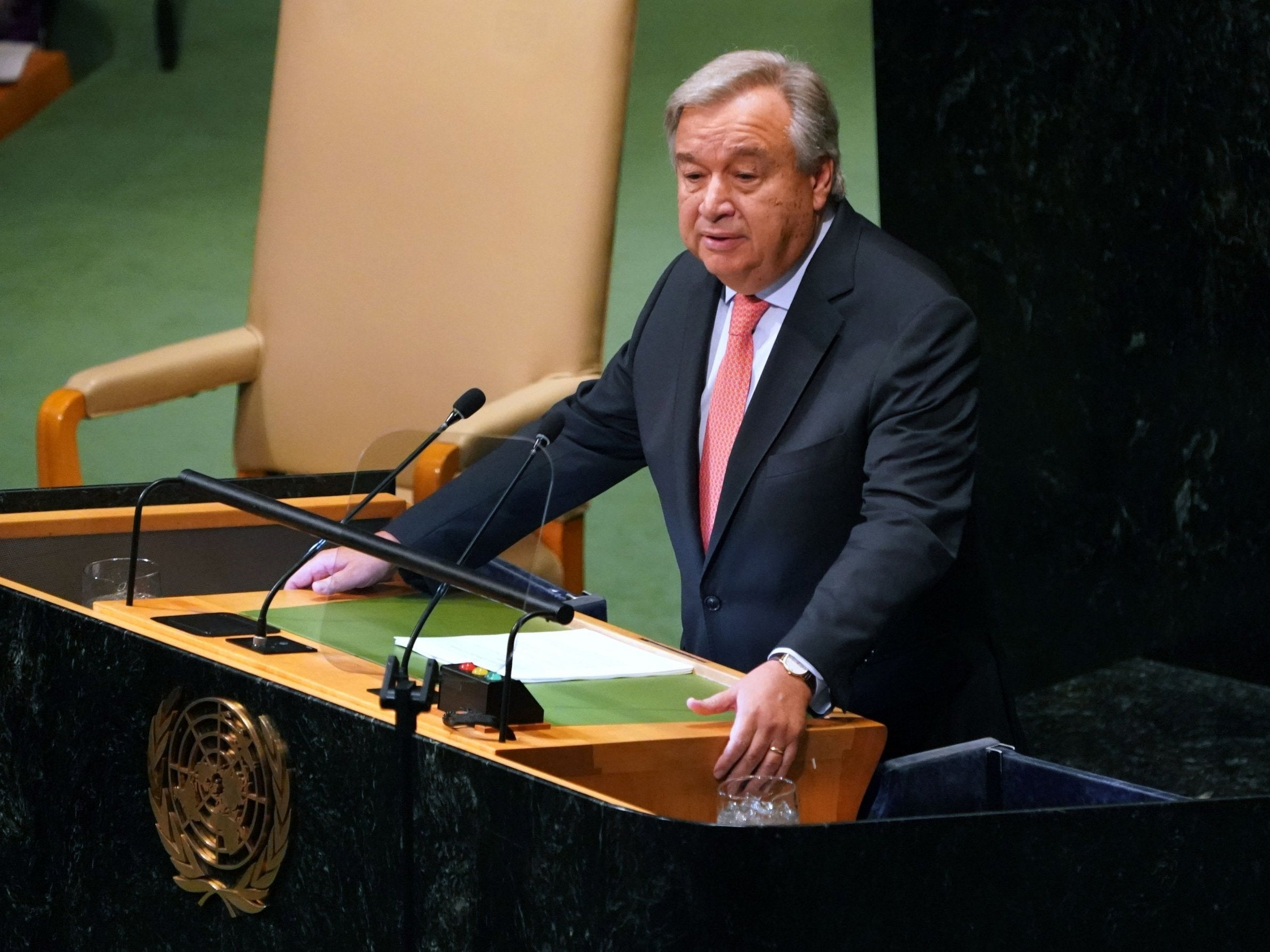 UN secretary general warns of 'increasingly chaotic' world order in veiled attack on Trump