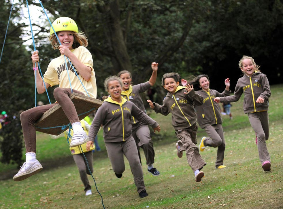 Girl Guides has changed its official guidance on trans inclusion, angering some parents